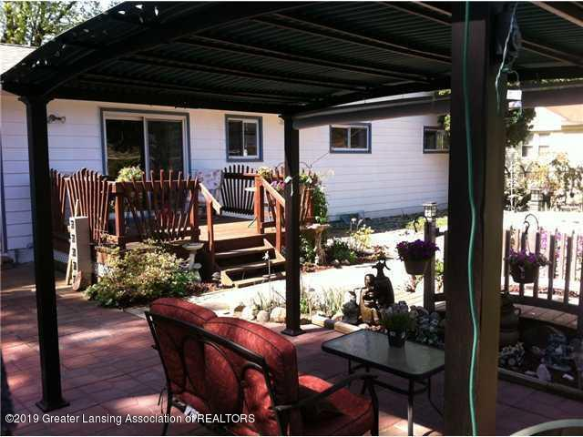 1591 E Stoll Rd - deck and patio - 7