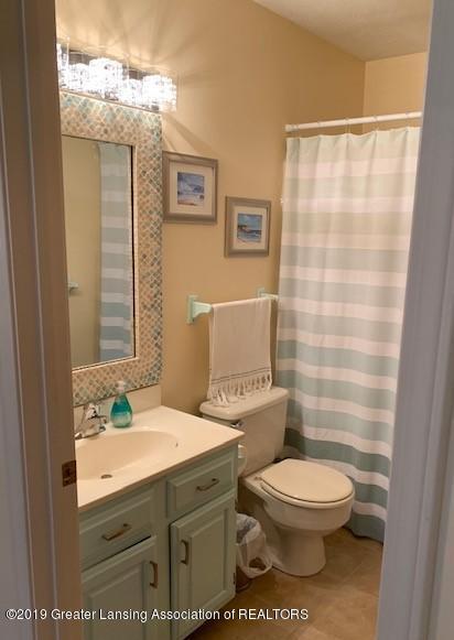 6295 W Reynolds Rd - bath1 - 9