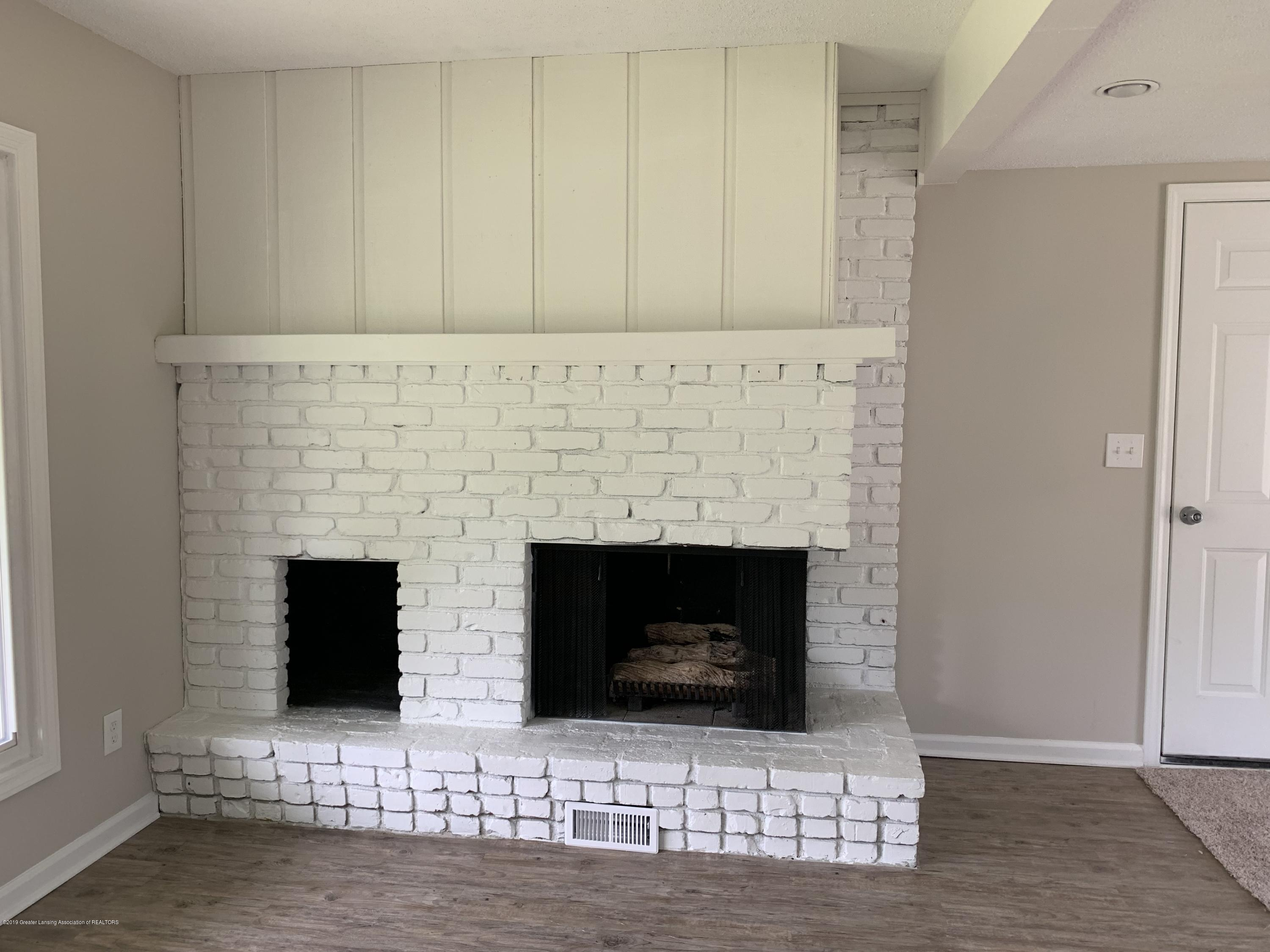 6427 Inverness Ln - 16 FAMILY ROOM - 16