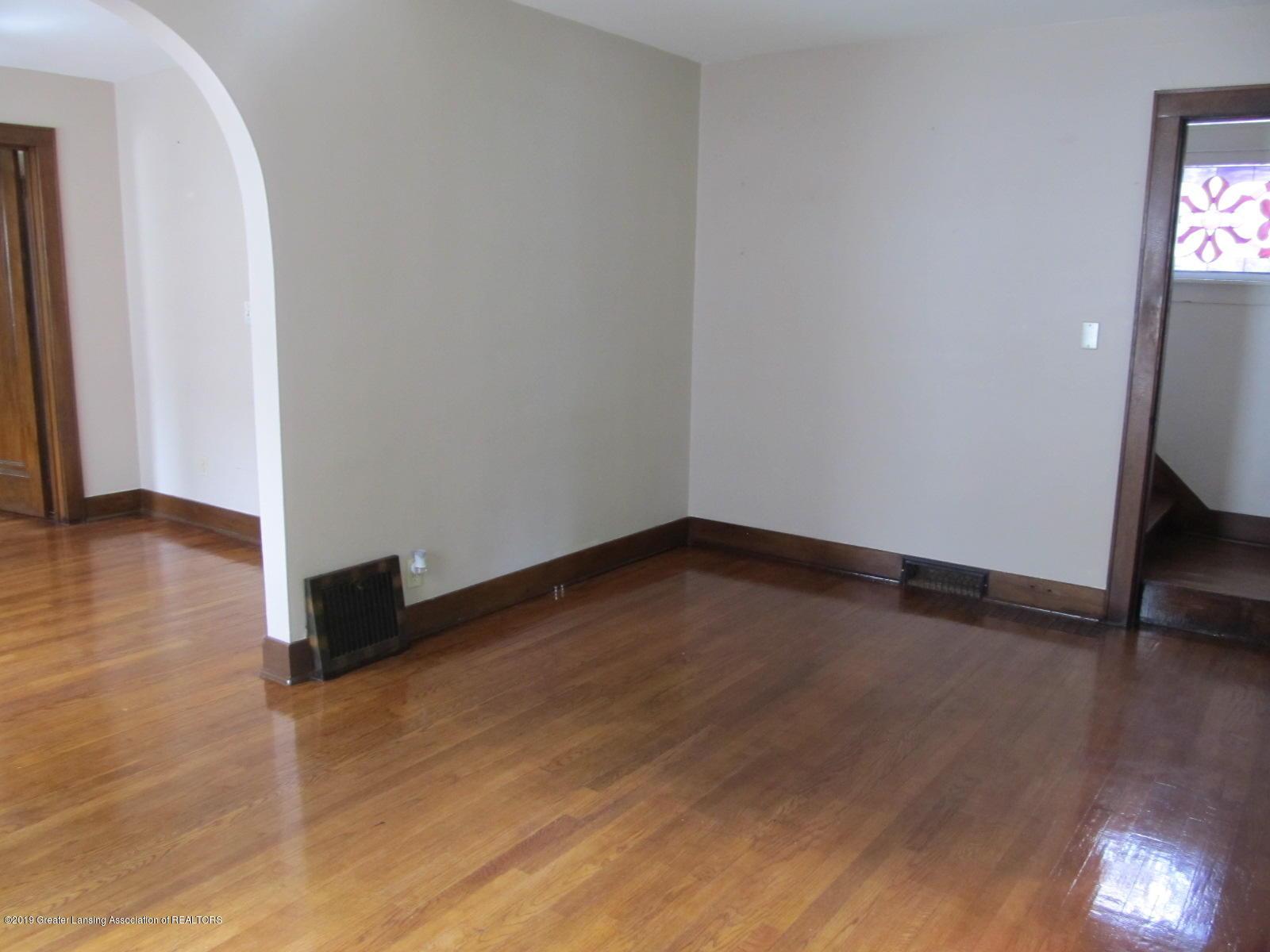 309 Paris Ave - Living Room - 3