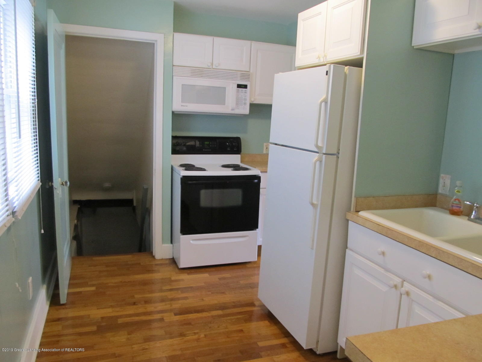 309 Paris Ave - Kitchen - 9