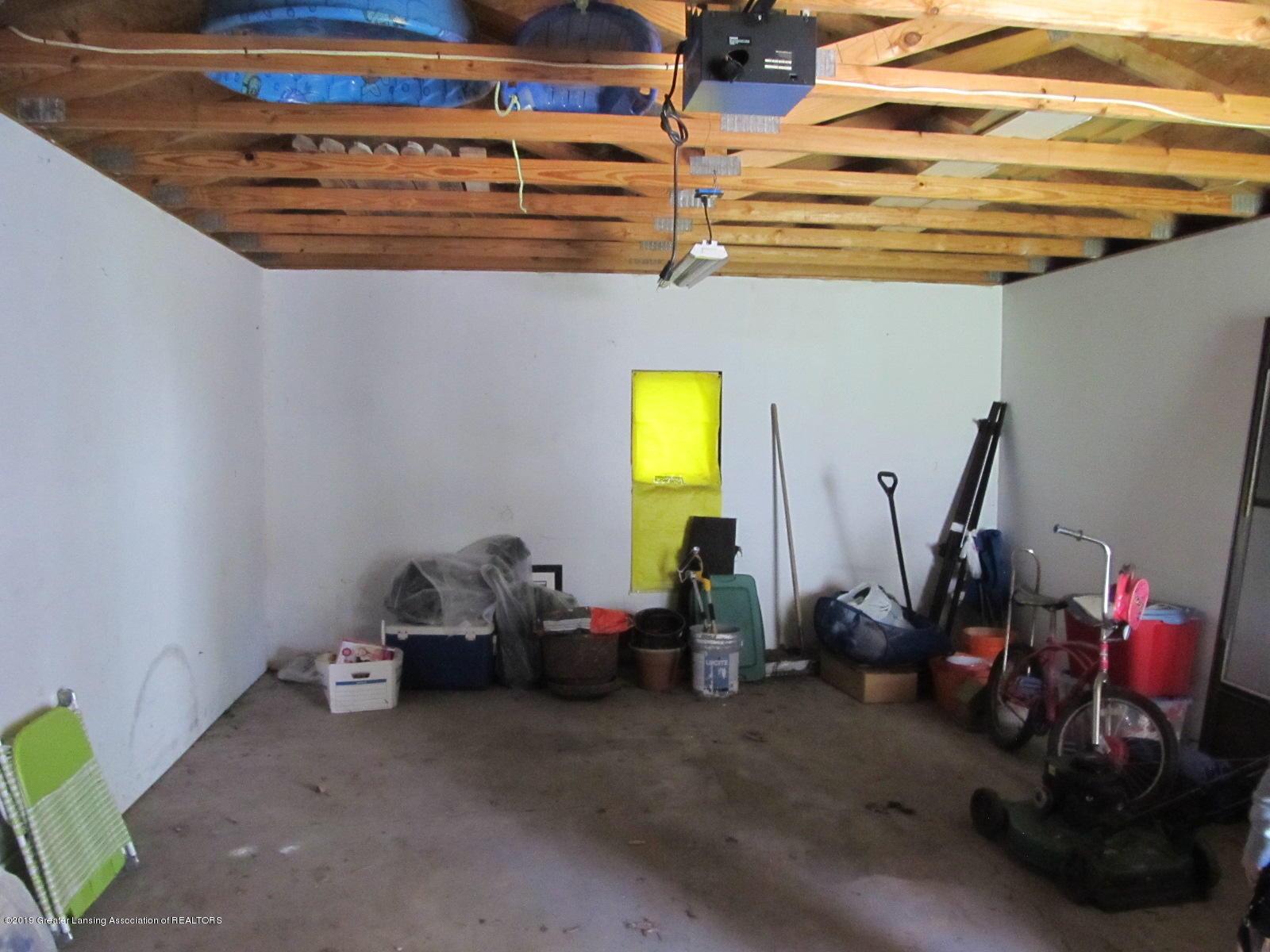 309 Paris Ave - Garage Interior - 36