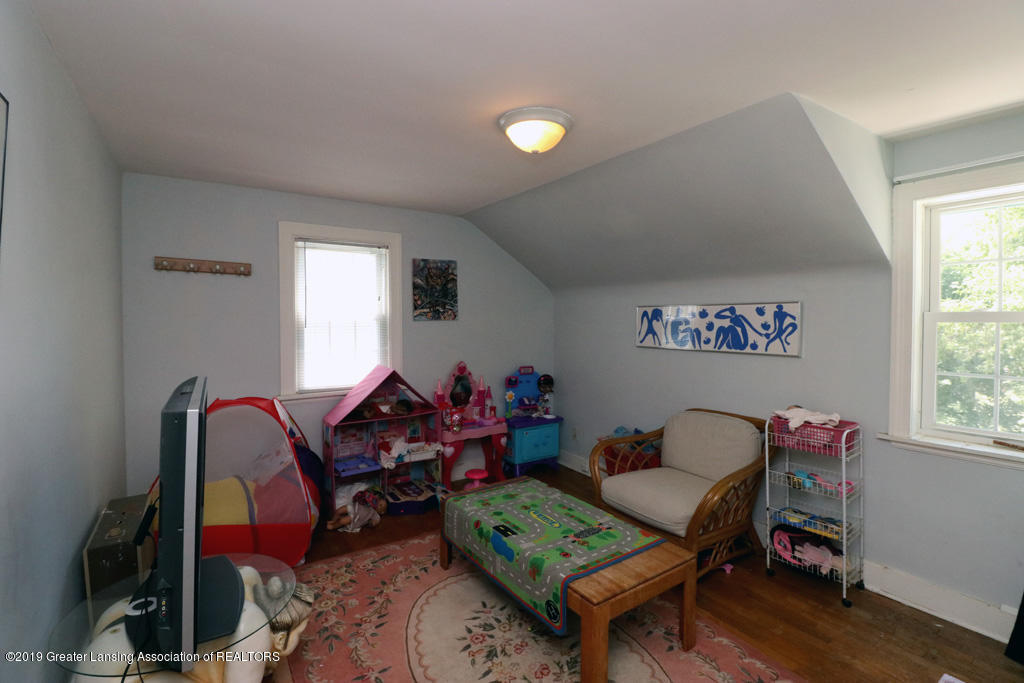817 N Foster Ave - 11 - 13