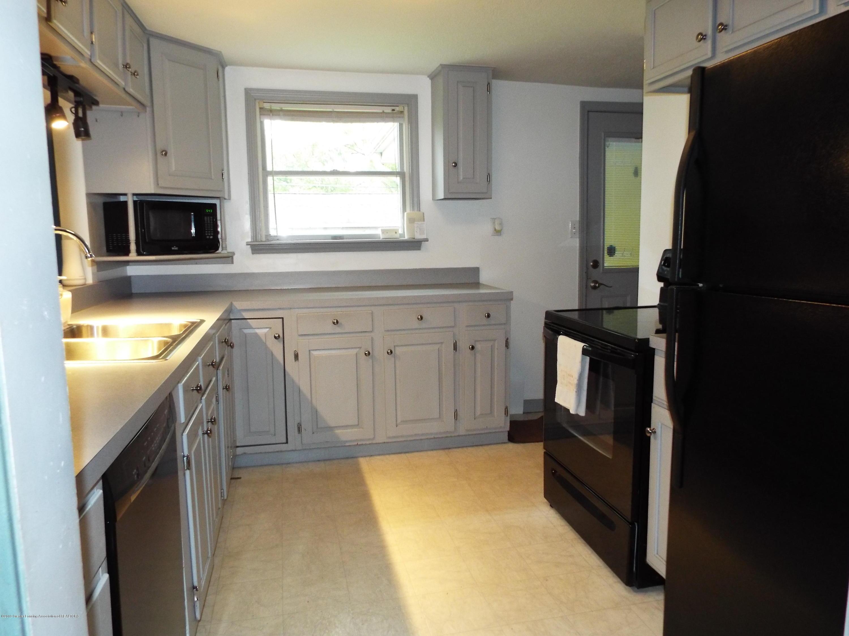 119 Brynford Ave - Kitchen - 6