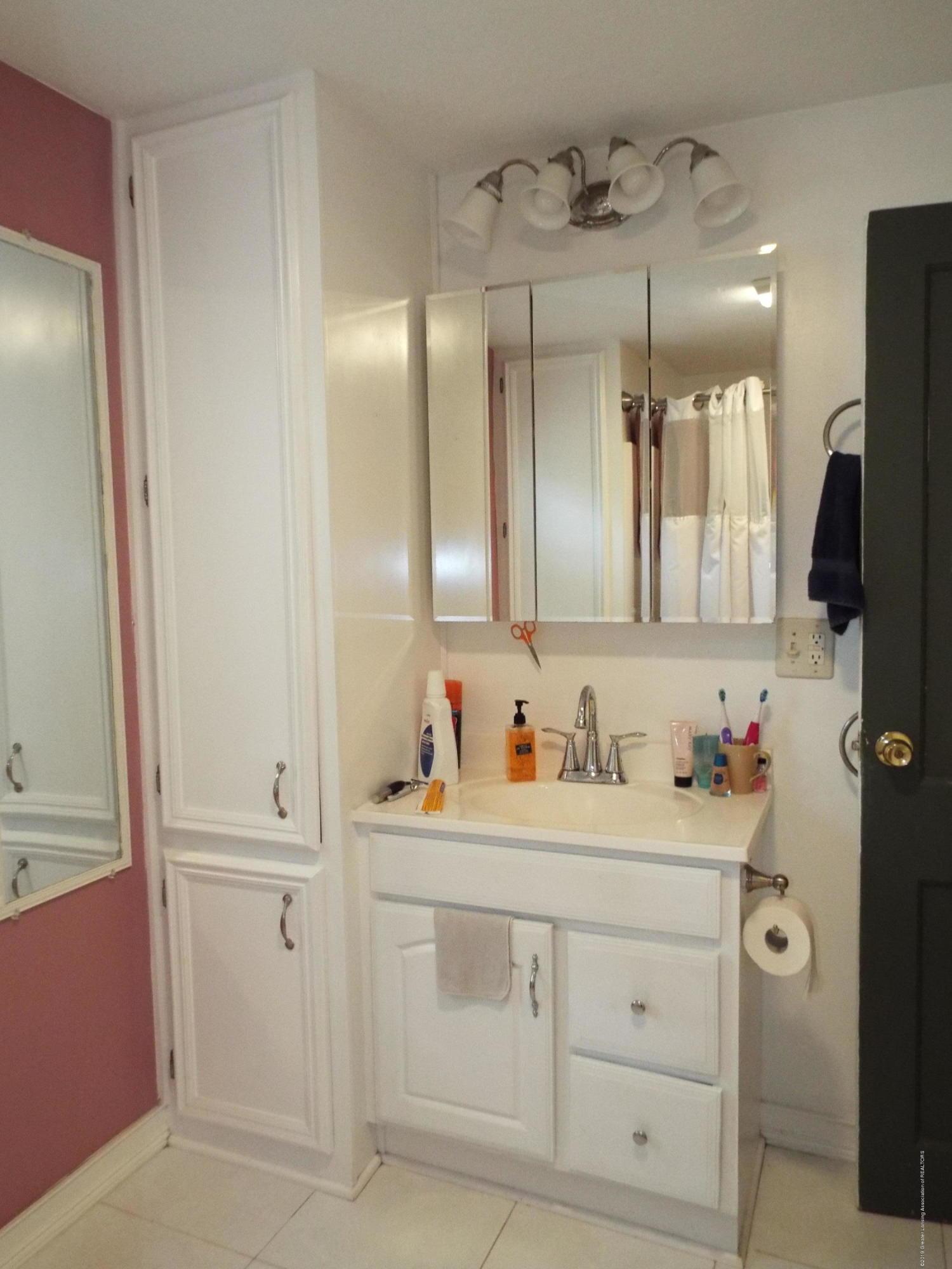 119 Brynford Ave - Bathroom - 16