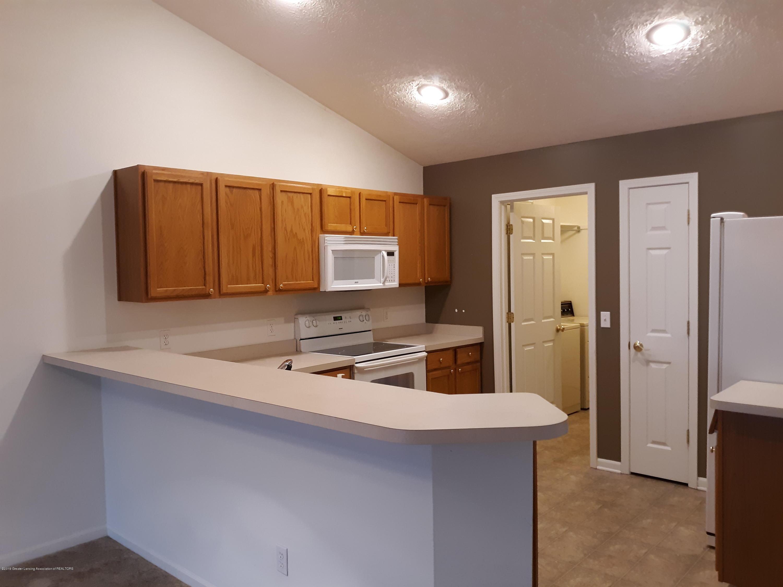 881 Sandview Dr 26 - Kitchen - 4