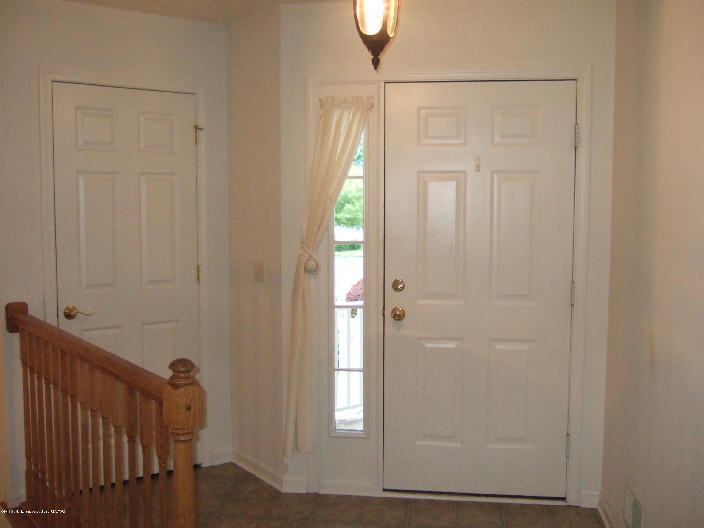 881 Sandview Dr 26 - Foyer - 3