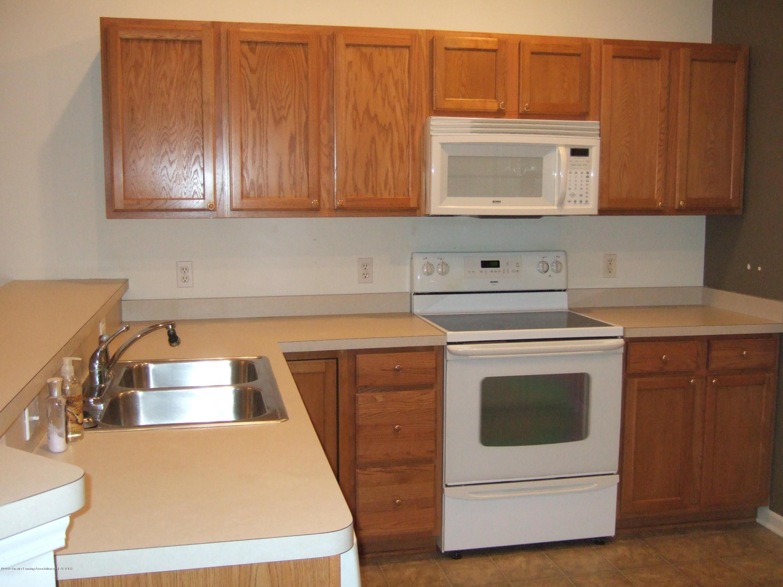 881 Sandview Dr 26 - Kitchen - 7