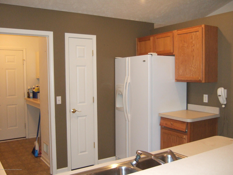 881 Sandview Dr 26 - Kitchen - 8
