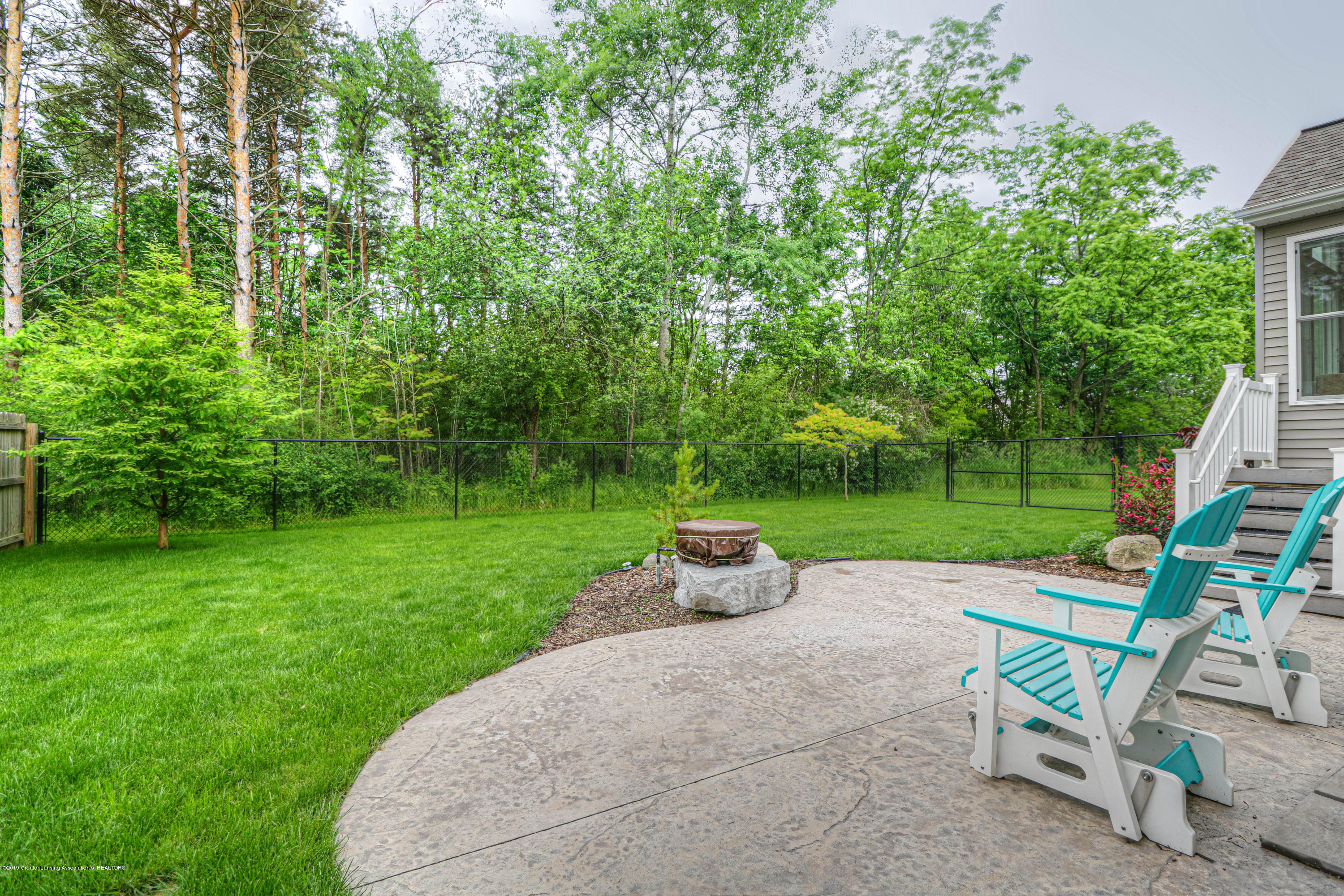 2223 Cider Mill Dr - gas fire pit - 21
