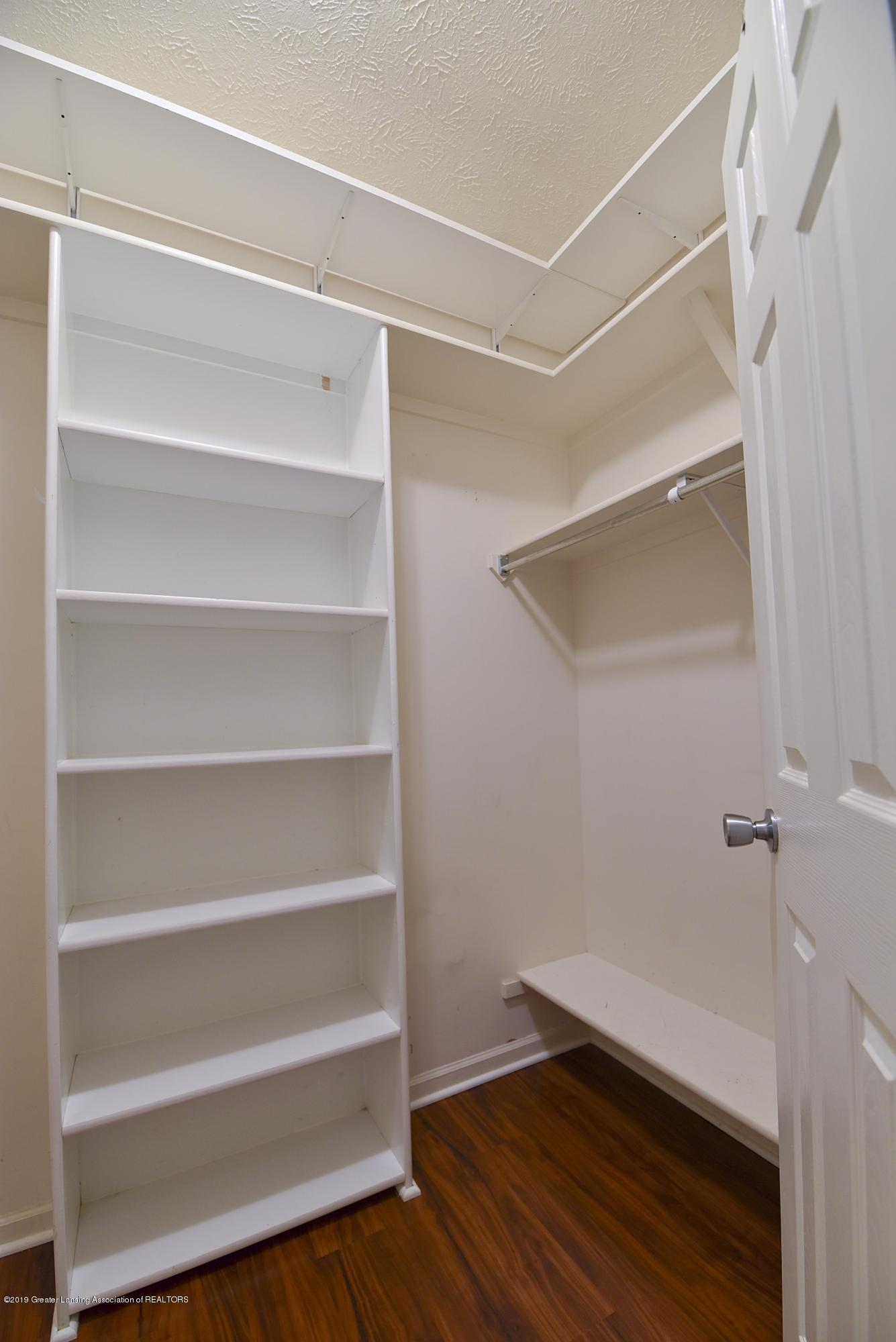 3300 Hollow Spring Dr - Master walk-in closet - 22