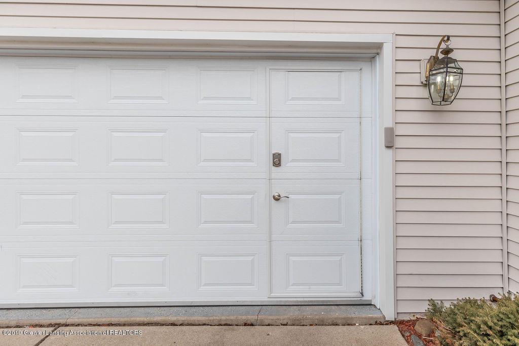 3300 Hollow Spring Dr - Walk-thru door - 54