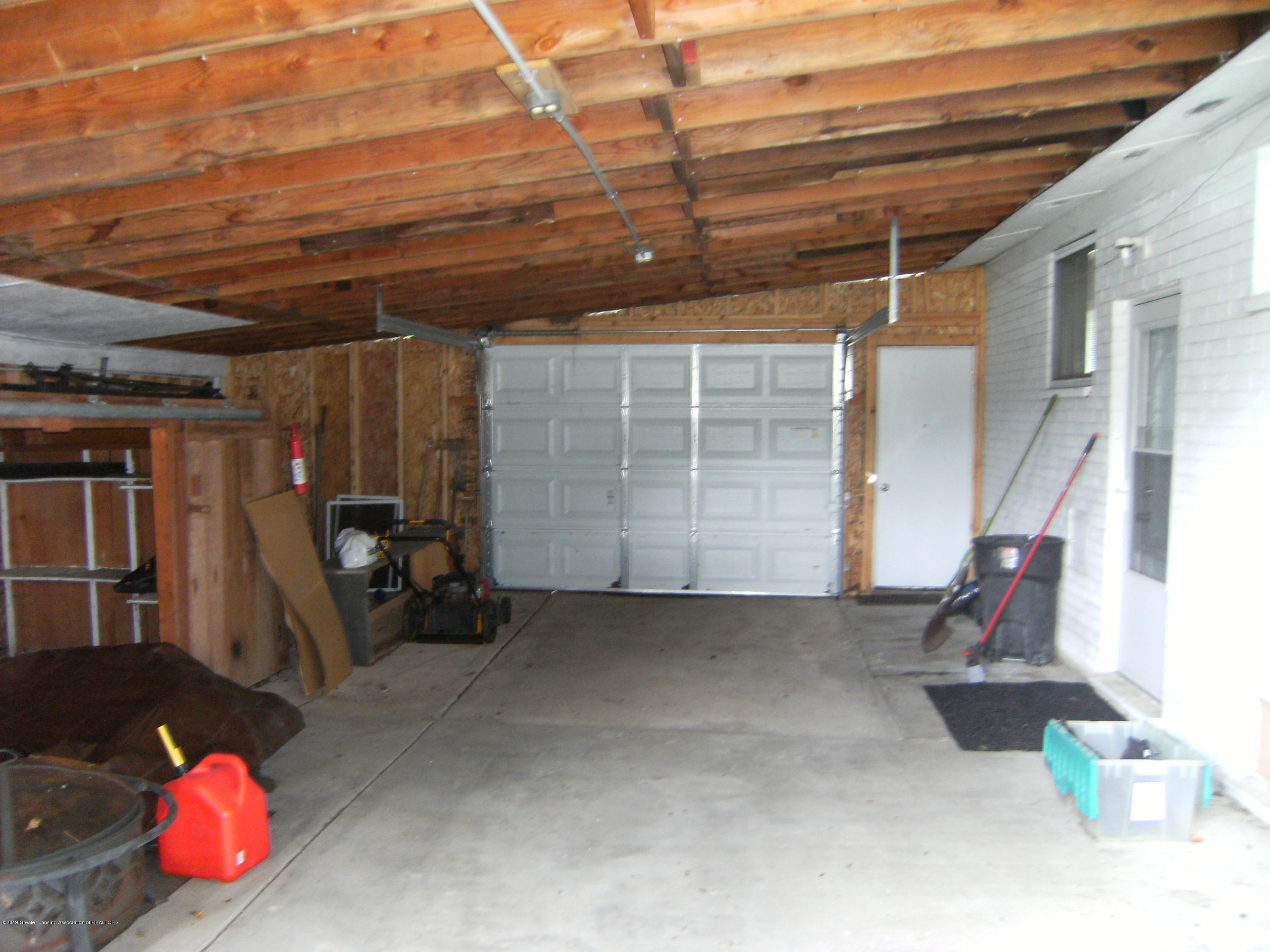 1315 N Foster Ave - Garage - 19