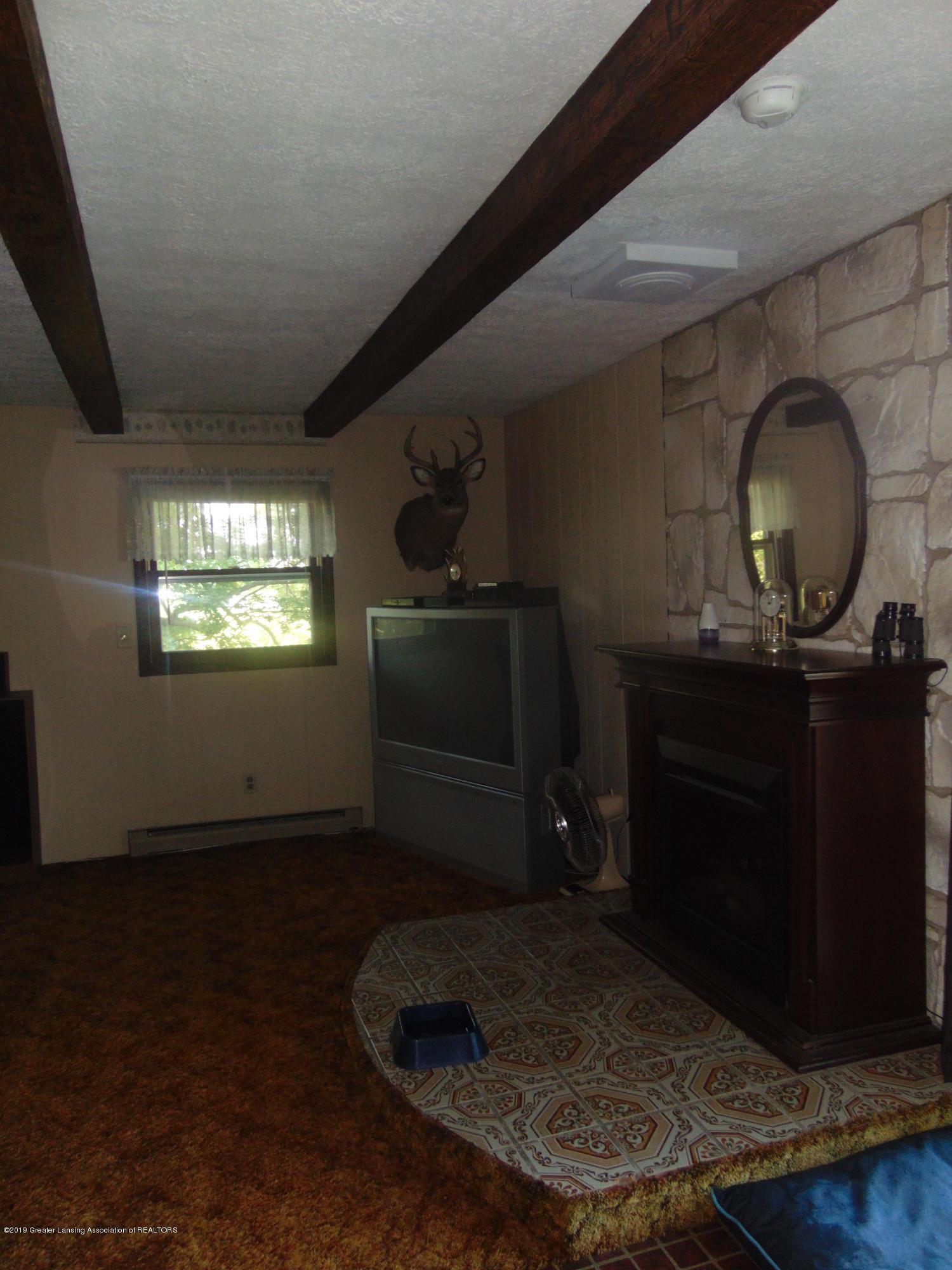 275 S Chester Rd - living room - 17