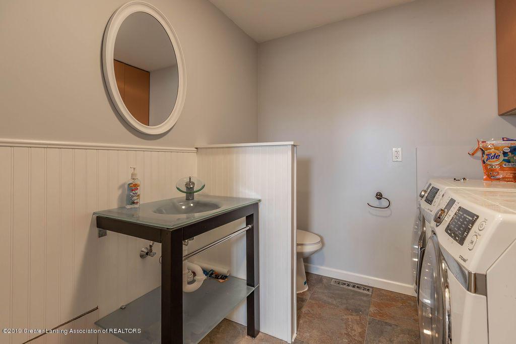 9075 Round Lake Rd - Bathroom/Laundry - 22