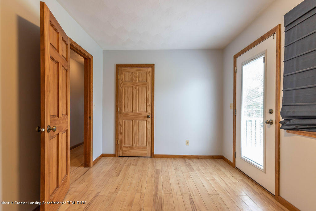 9075 Round Lake Rd - Bedroom 2 - 25
