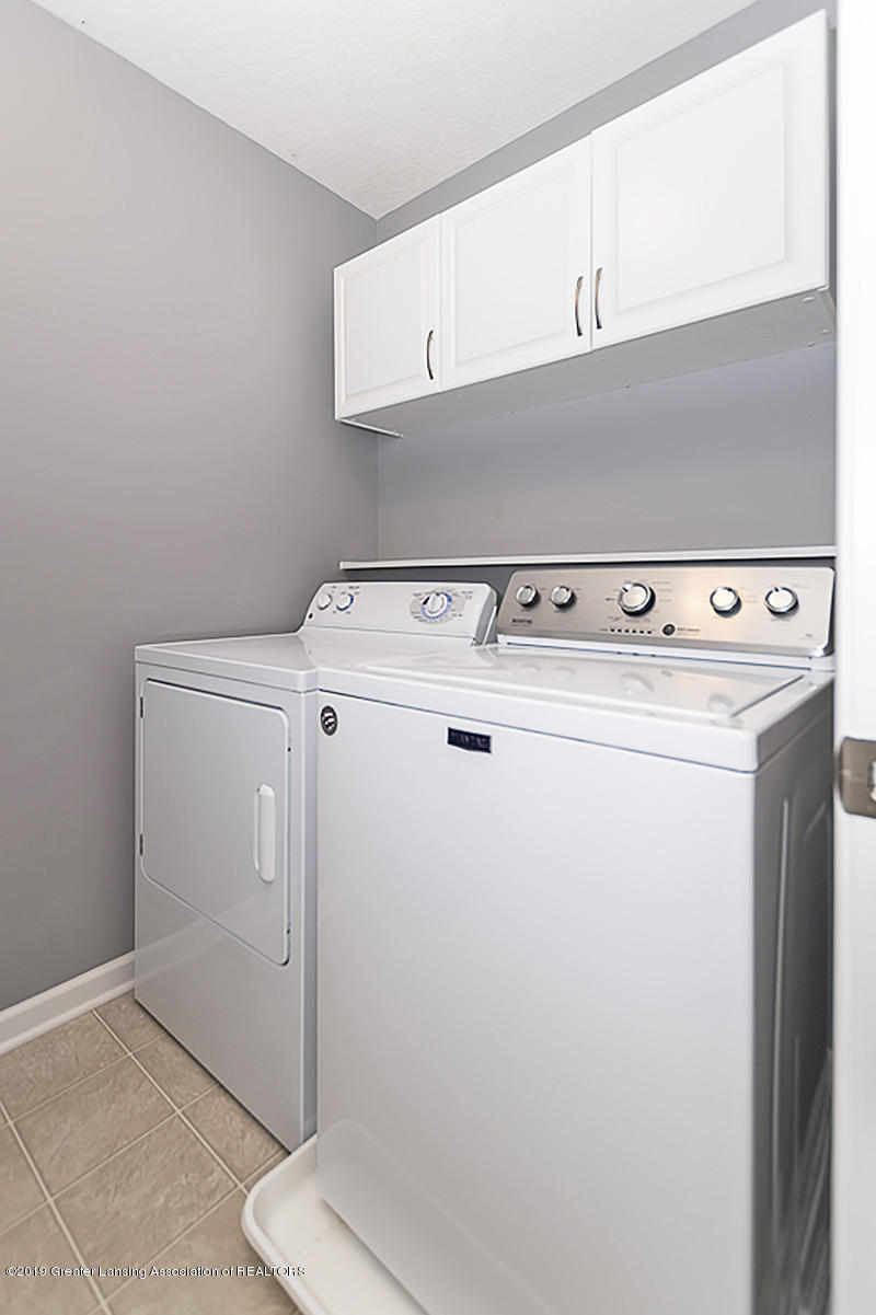 6747 Castleton Dr - 2nd Floor Laundry - 18