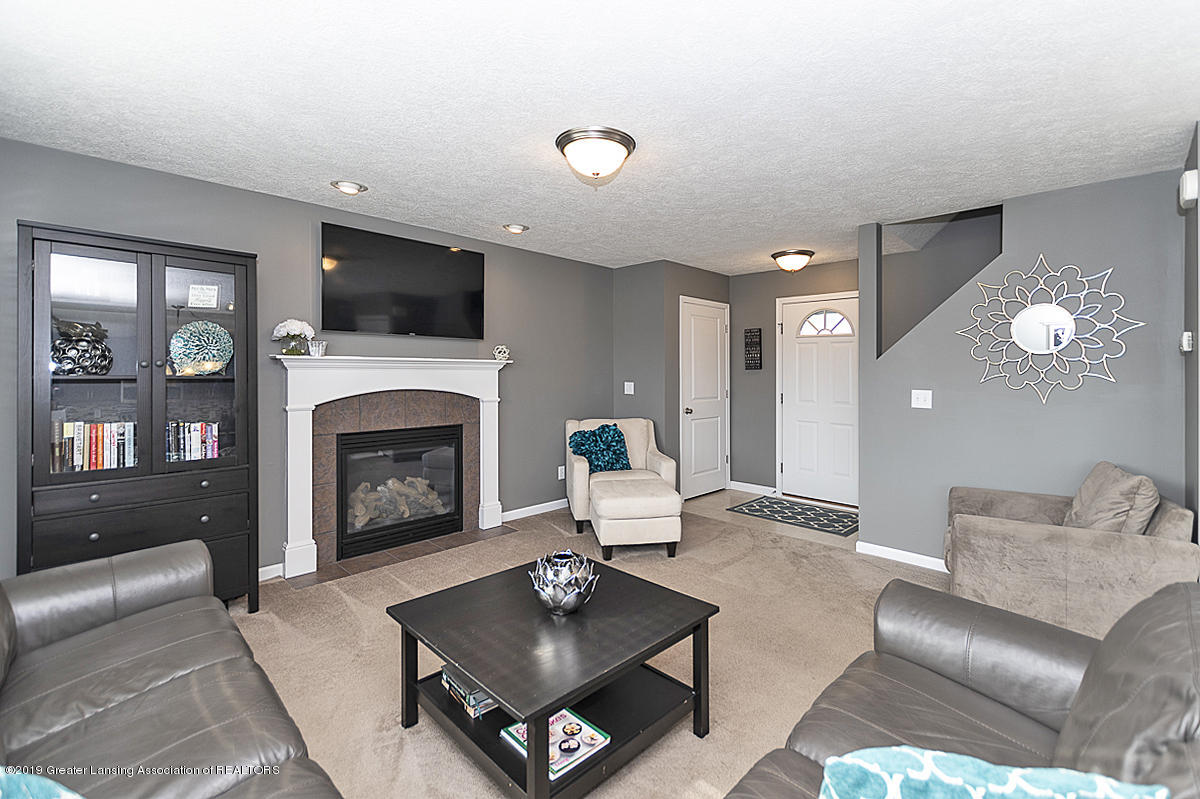 6747 Castleton Dr - Great Room - 2
