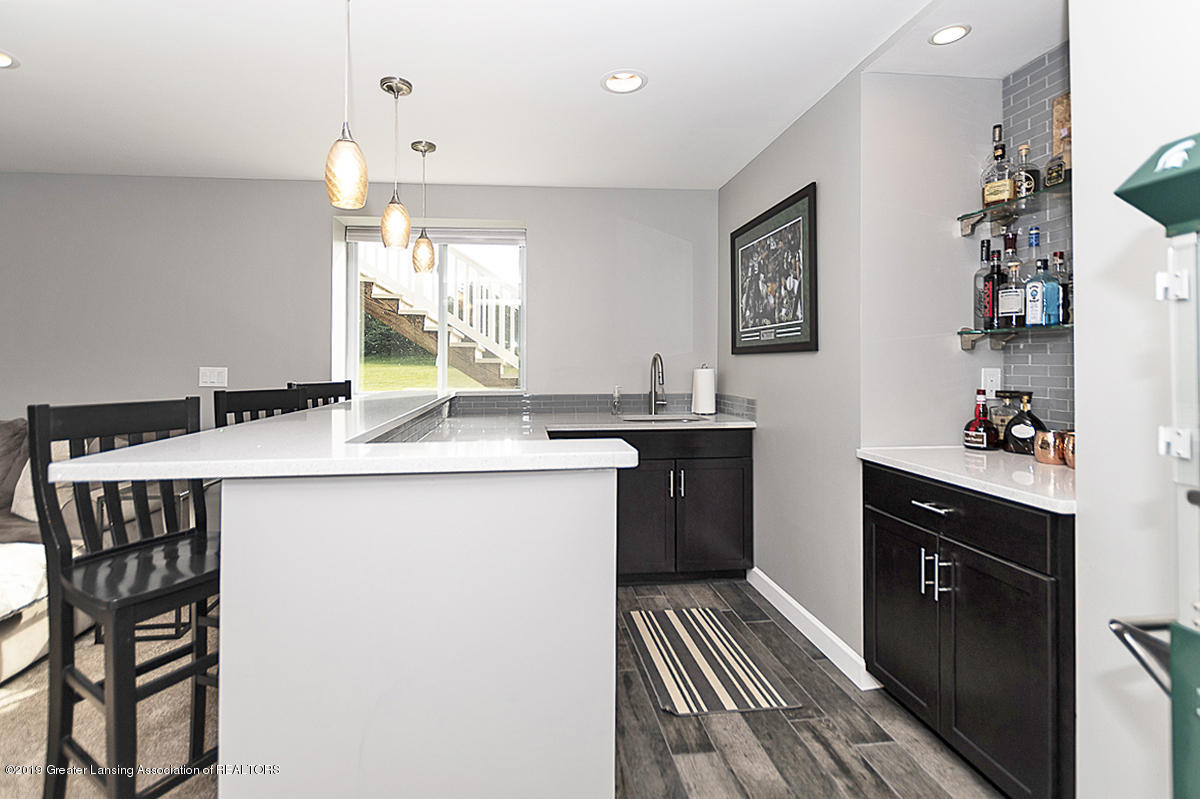 6747 Castleton Dr - Wet Bar - 20