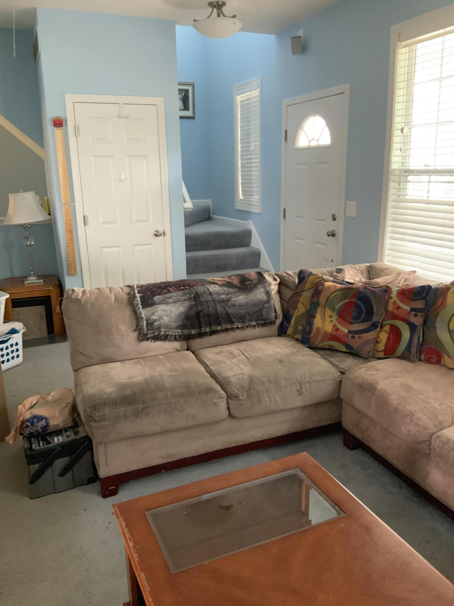 687 Puffin Pl - Living Rm - 4