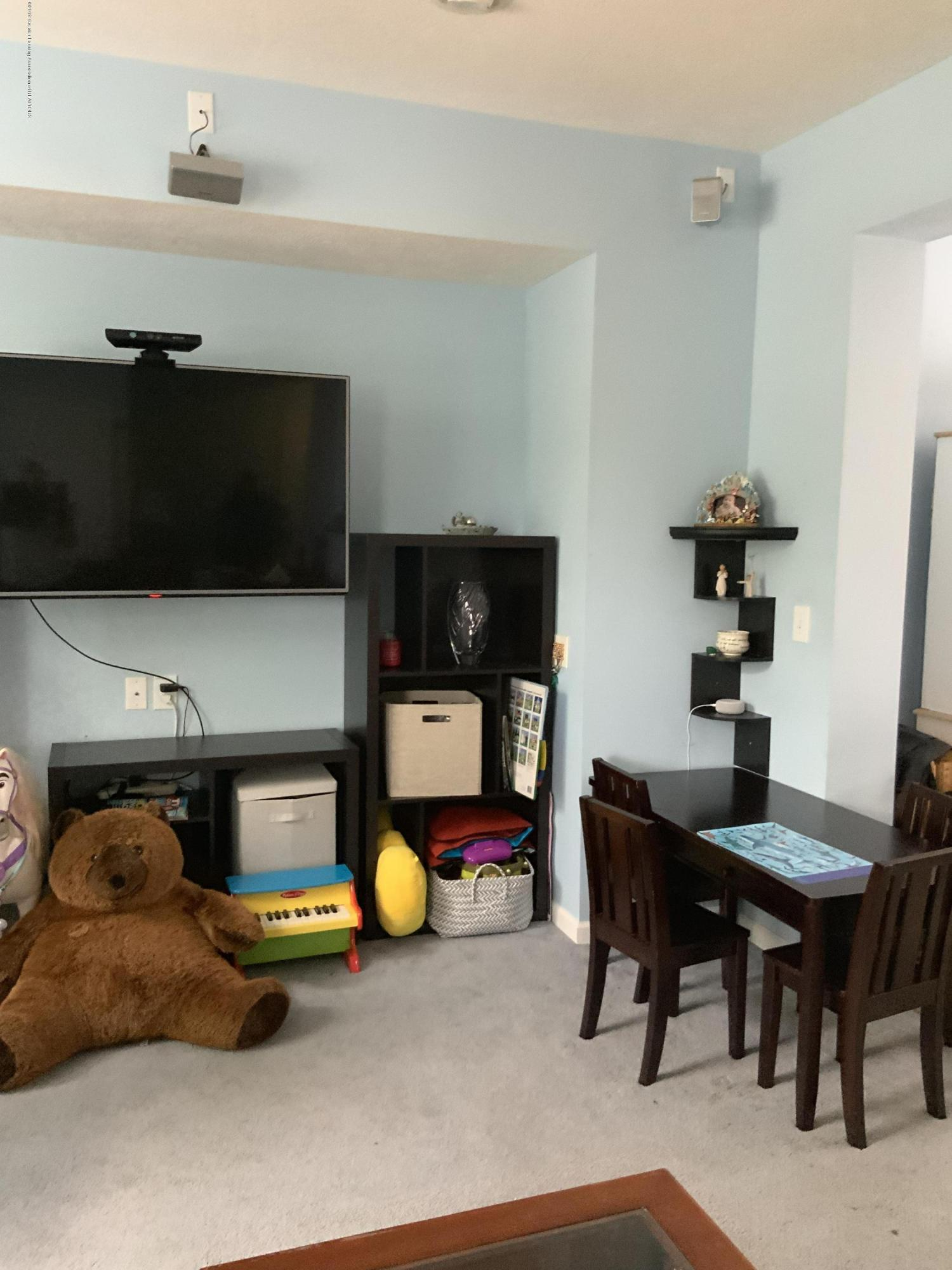 687 Puffin Pl - Living Room - 5