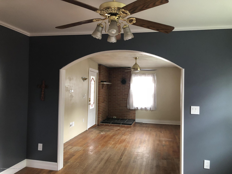 807 Dunlap St - Livingroom - 3