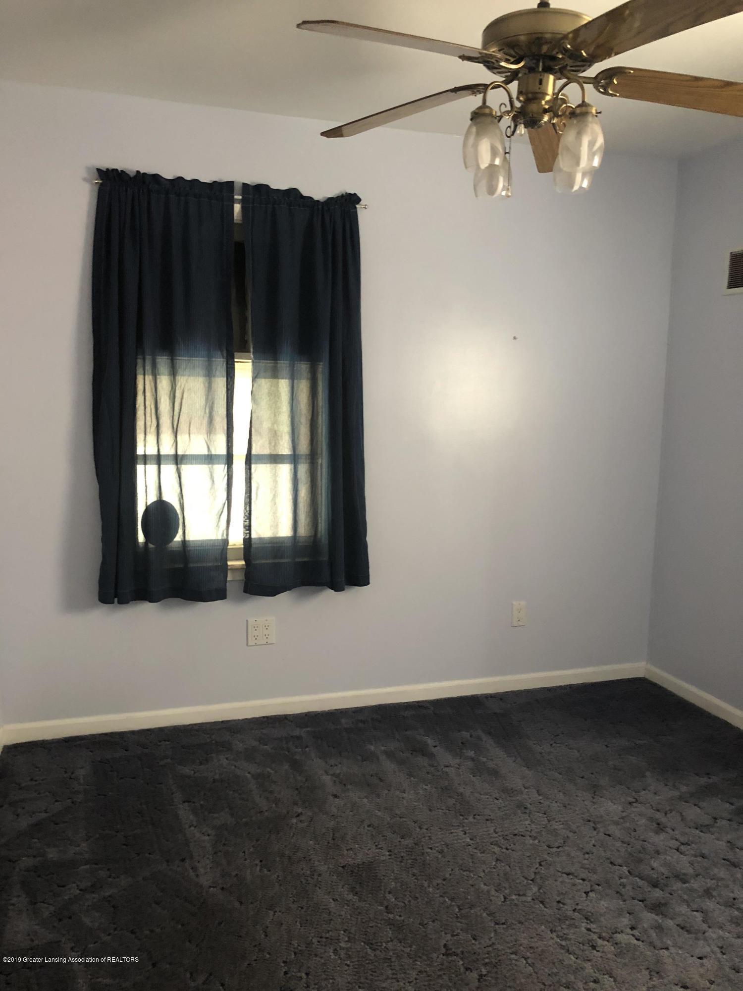 807 Dunlap St - Main floor bedroom 1 - 5