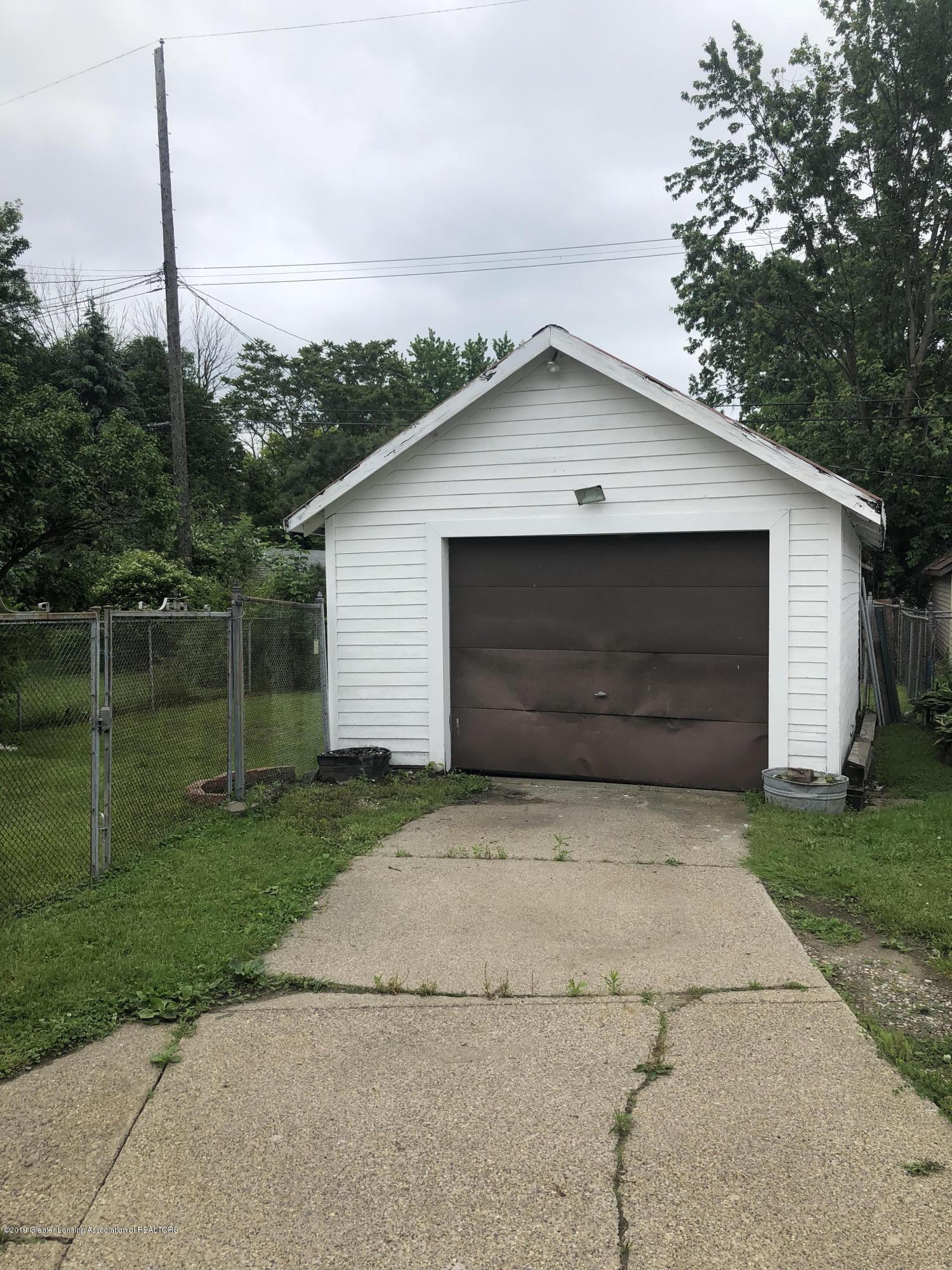 807 Dunlap St - One Stall garage - 11