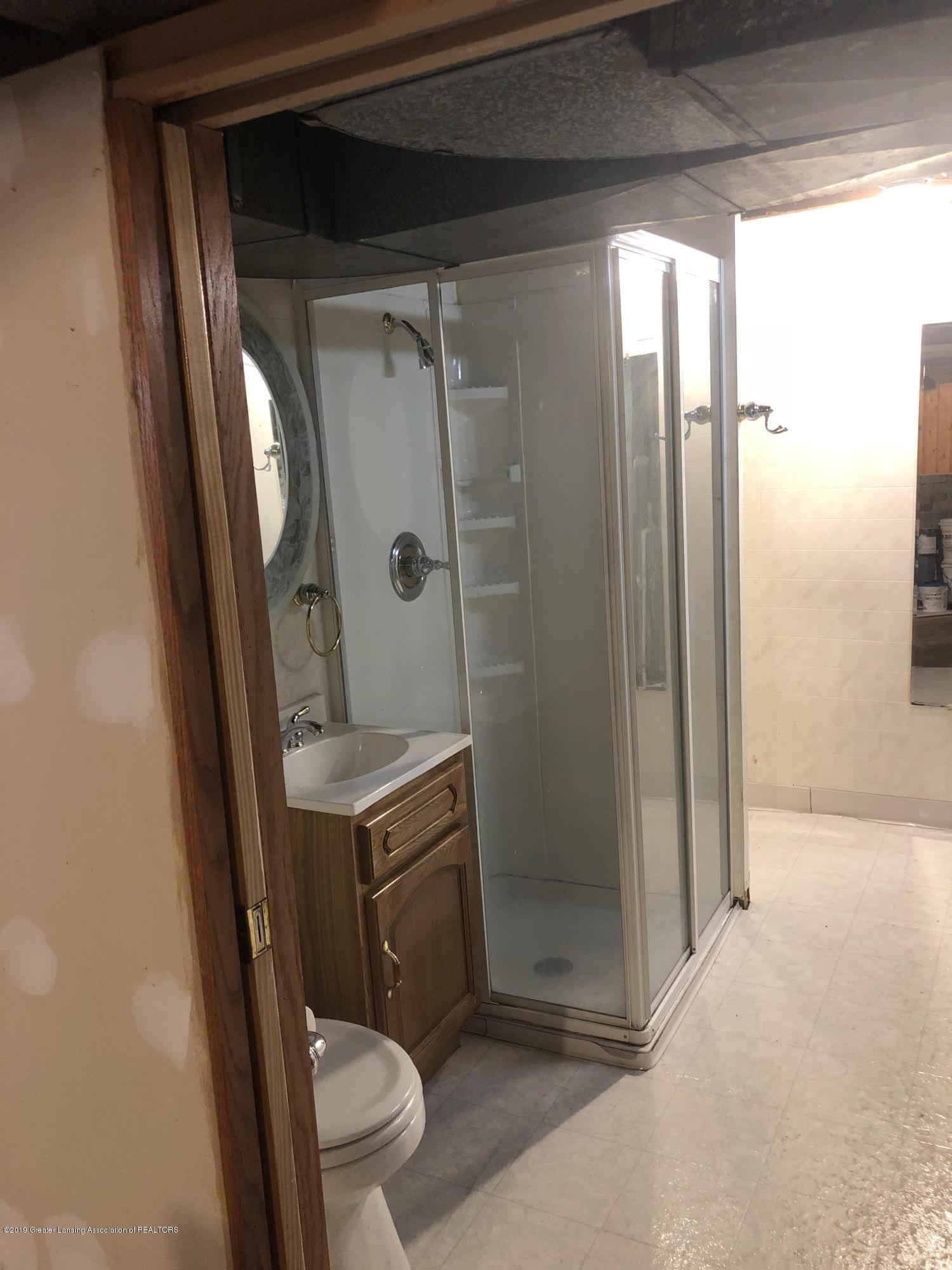 807 Dunlap St - Basement bath - 12