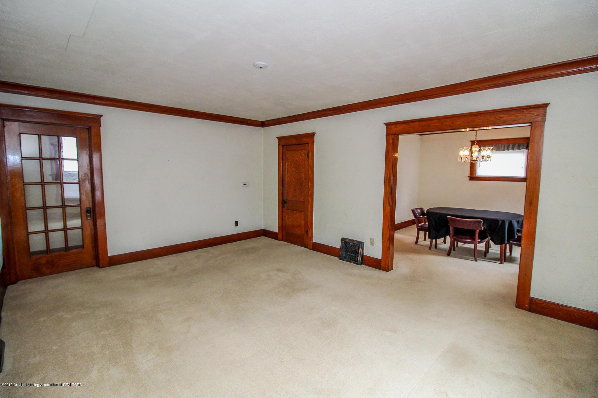 915 Westmoreland Ave - Living Room - 7