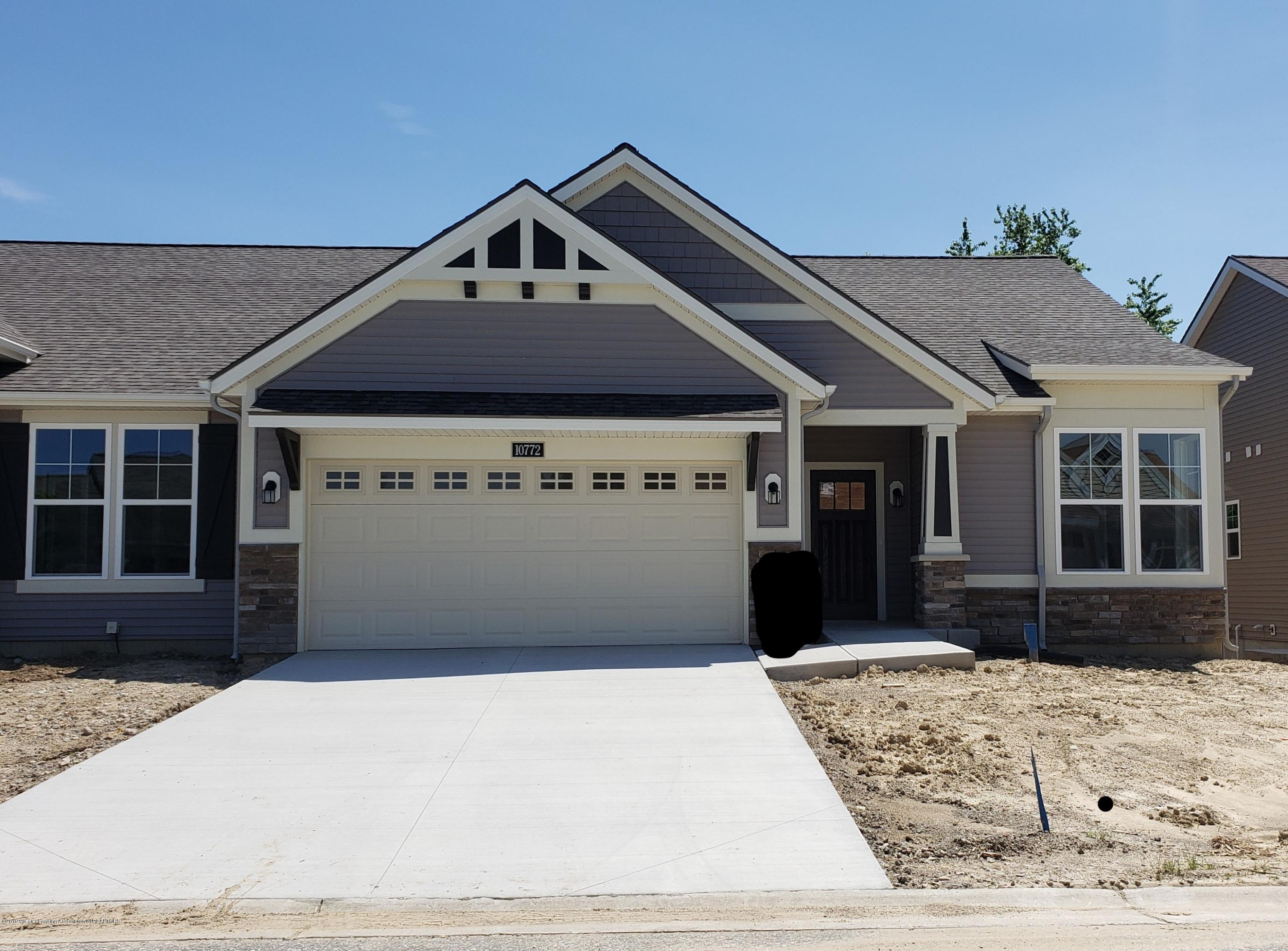 10772 Canterbury Ln - Front View - 1