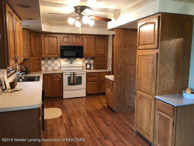 5780 Leland Rd - Kitchen - 2