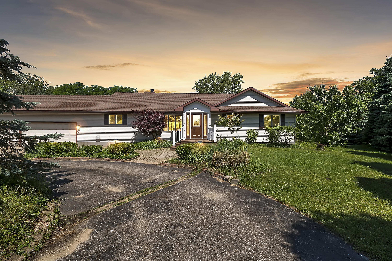 10091 Barnes Rd - 10091-Barnes-Rd-Eaton-Rapids-windowstill - 1