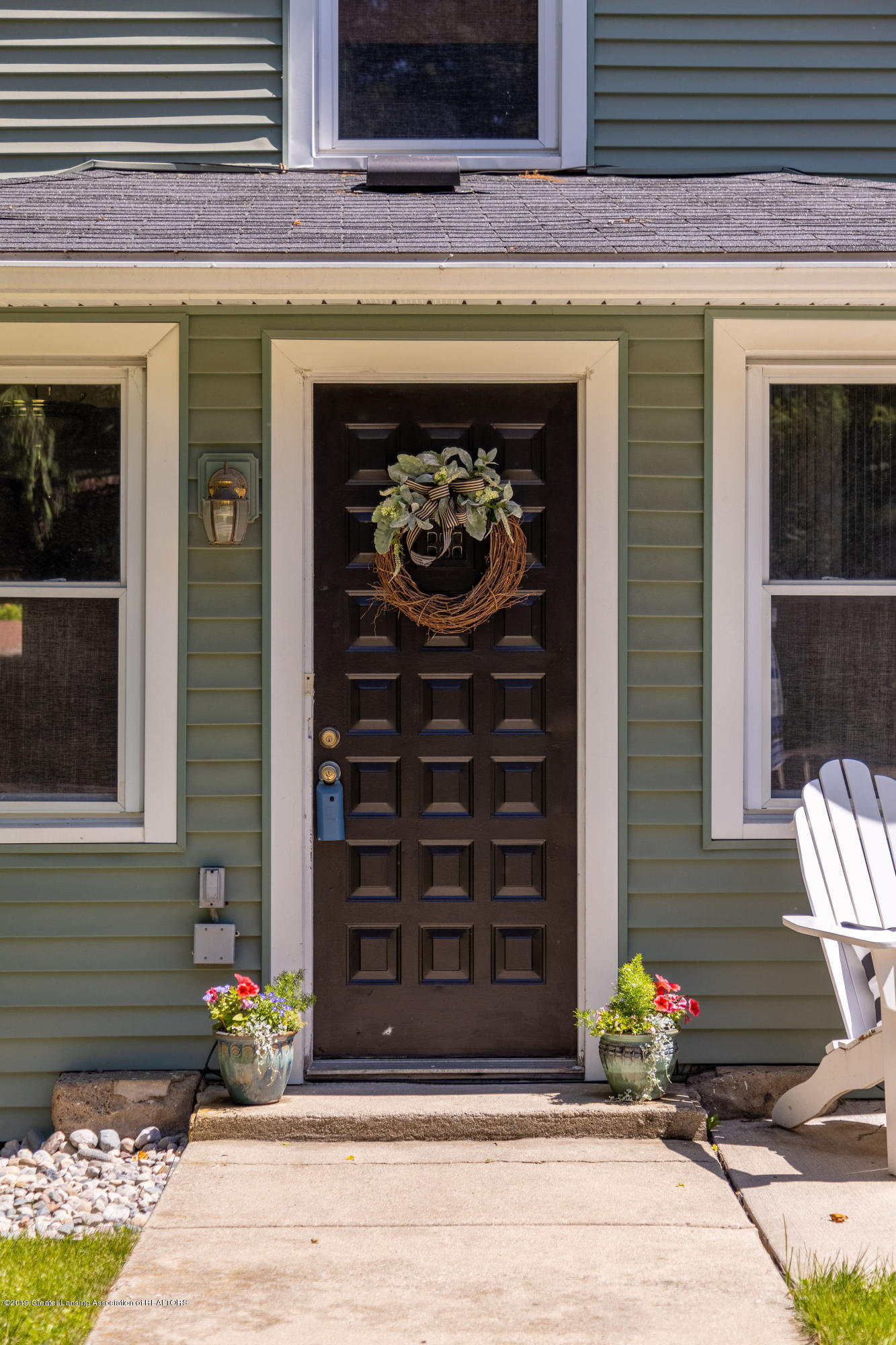 2072 Hamilton Rd - Front Entry - 4