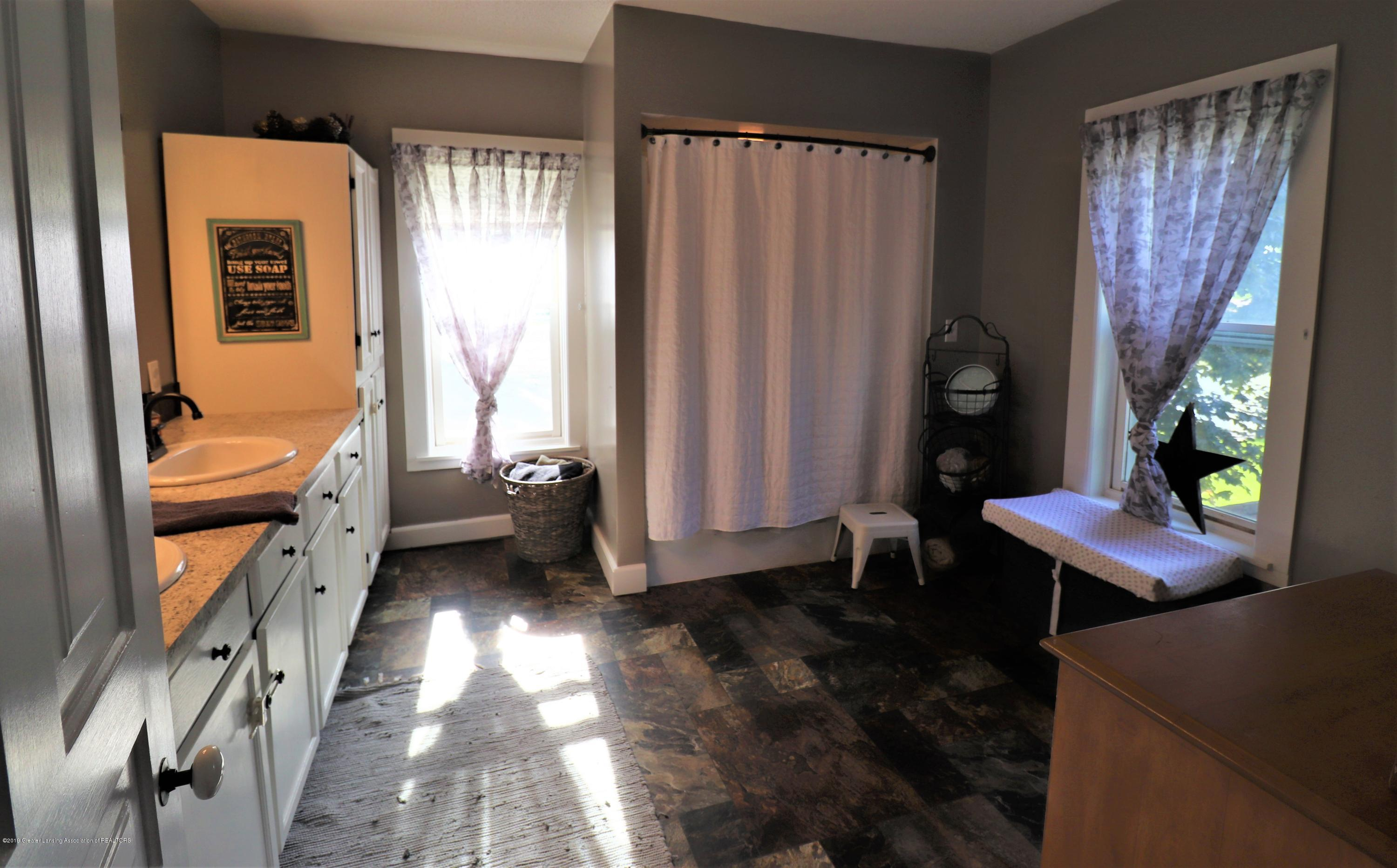 11452 W Vermontville Hwy - 25 Upstairs Bath - 24