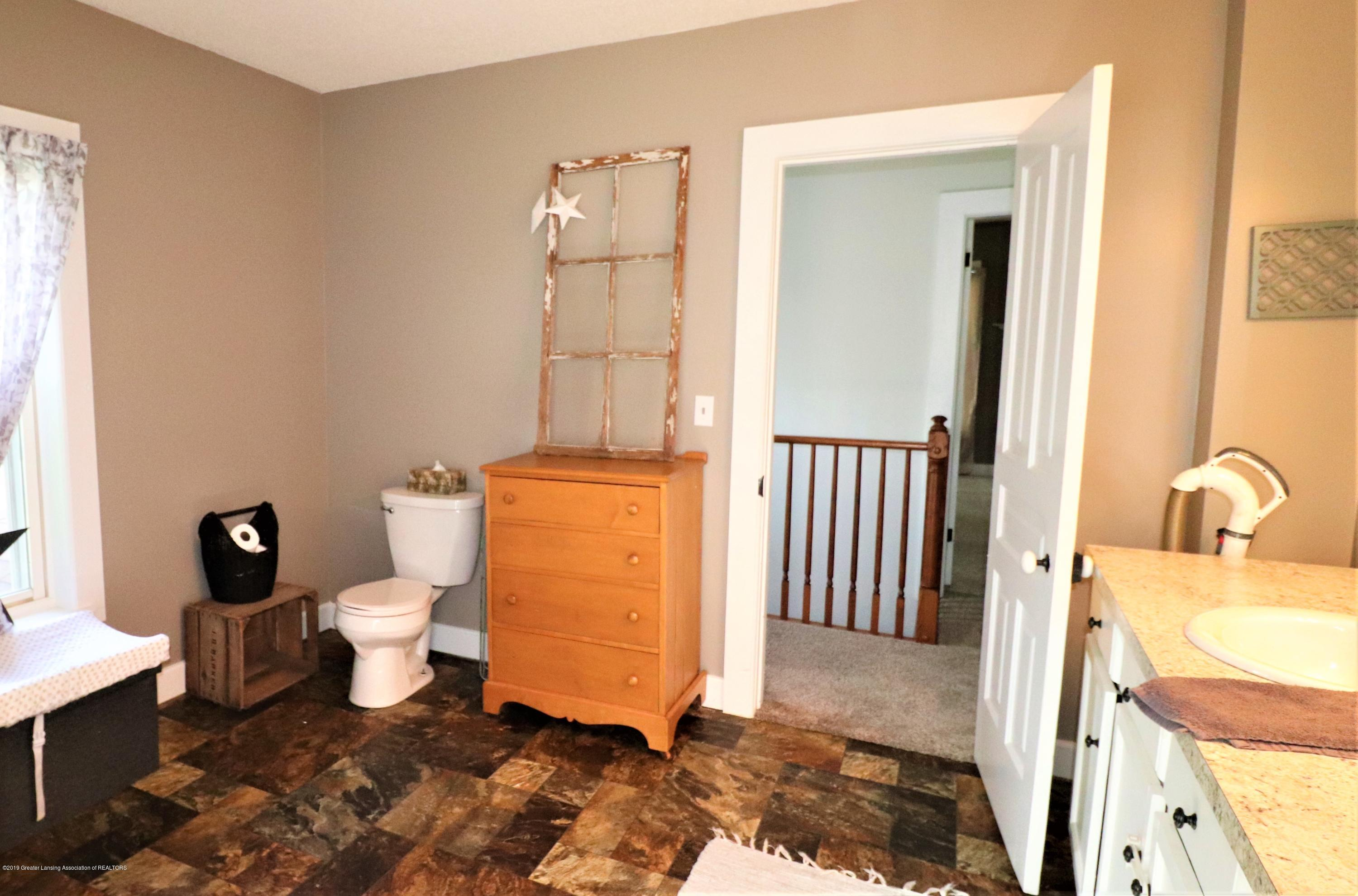11452 W Vermontville Hwy - 26 Upstairs Bath - 25