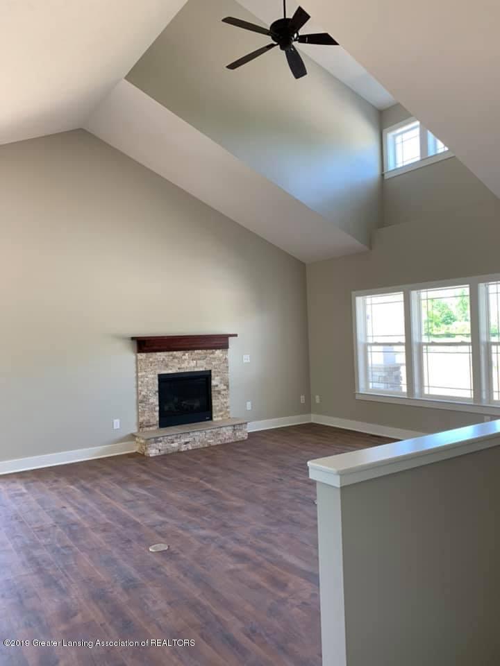 1121 Bluestem Ct - Living Room - 13