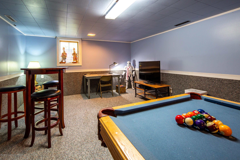 327 Chanticleer Trail - Basement rec. room - 21