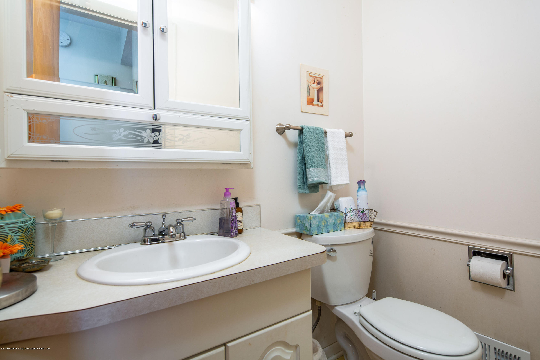 327 Chanticleer Trail - 1st floor half bath - 8