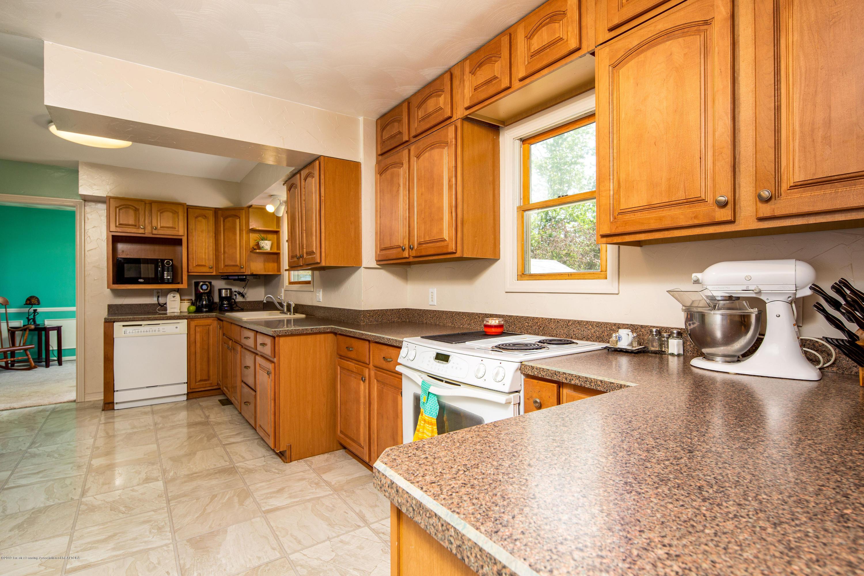 327 Chanticleer Trail - Kitchen - 11