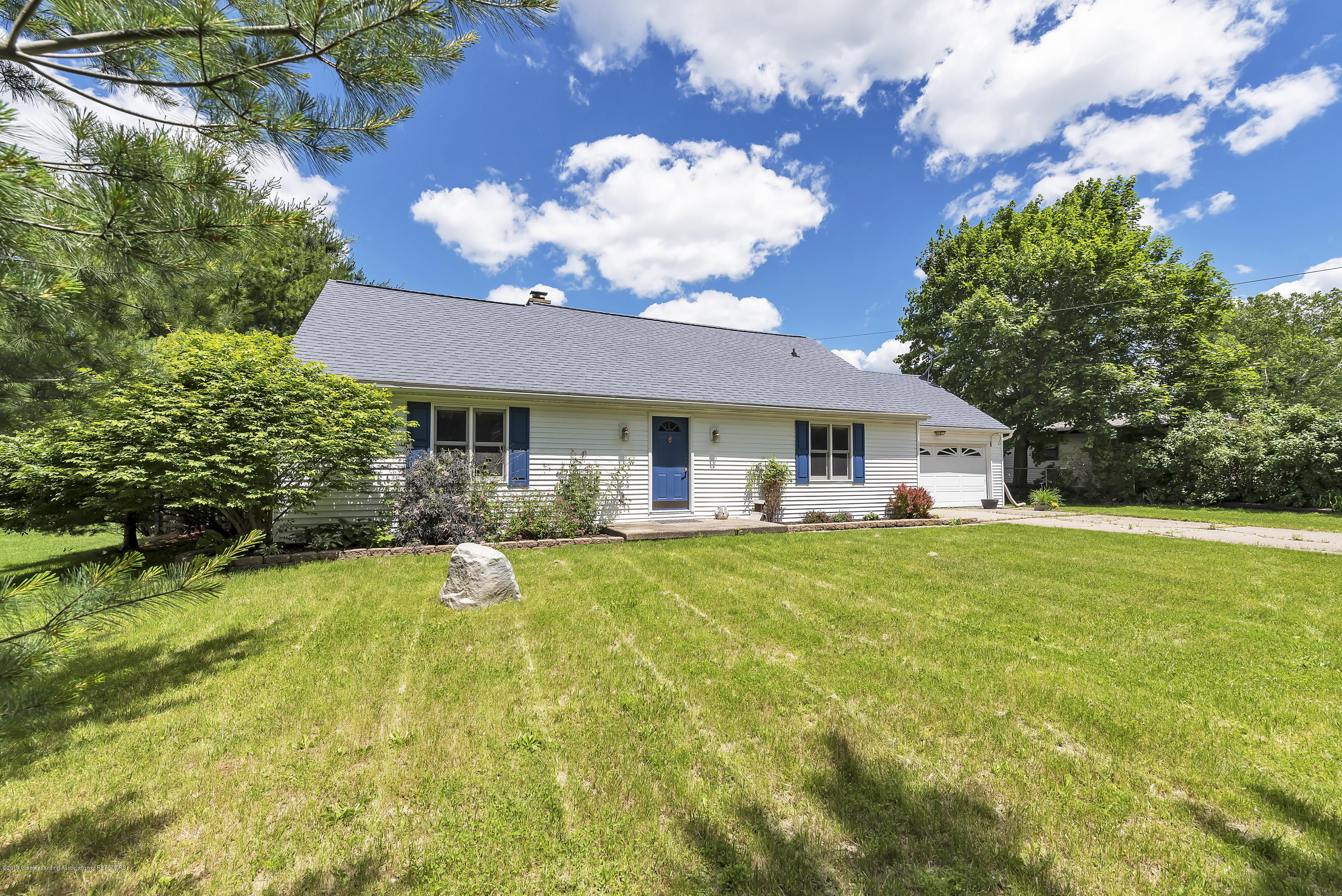 699 Sherwood Rd - 699-E-Sherwood-Rd-Williamston-windowstil - 2