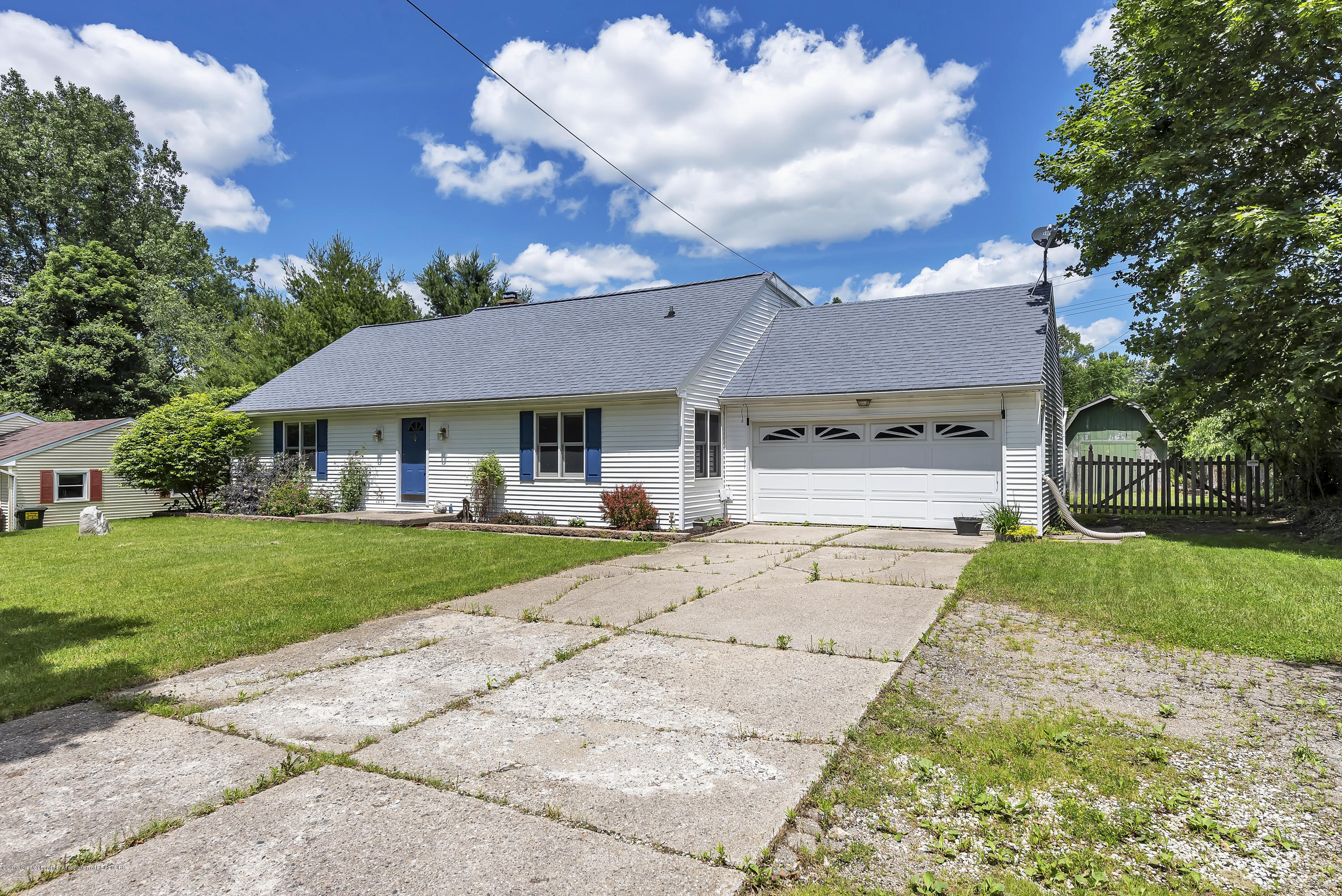 699 Sherwood Rd - 699-E-Sherwood-Rd-Williamston-windowstil - 4