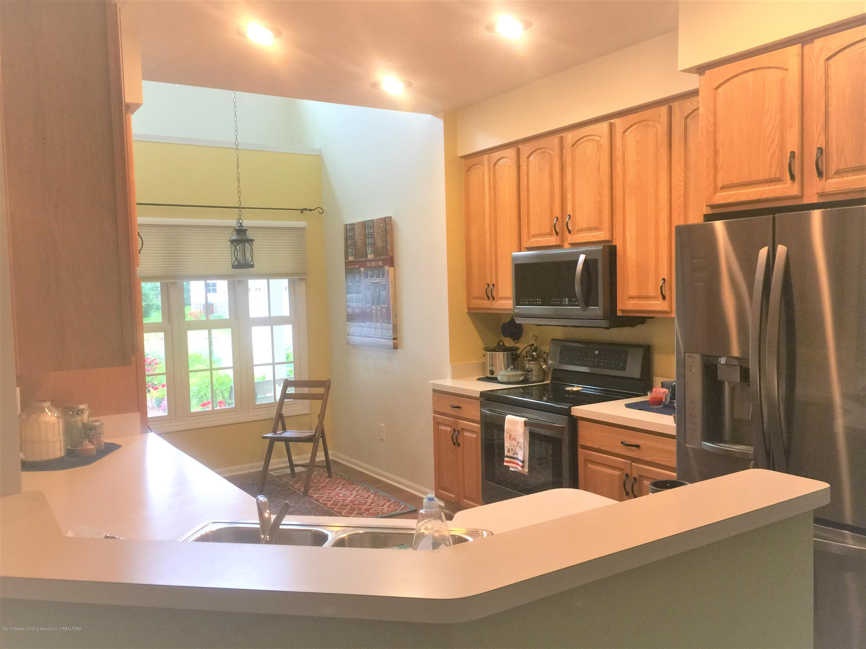 13612 Canyonwood Cl - kitchen 2 - 11