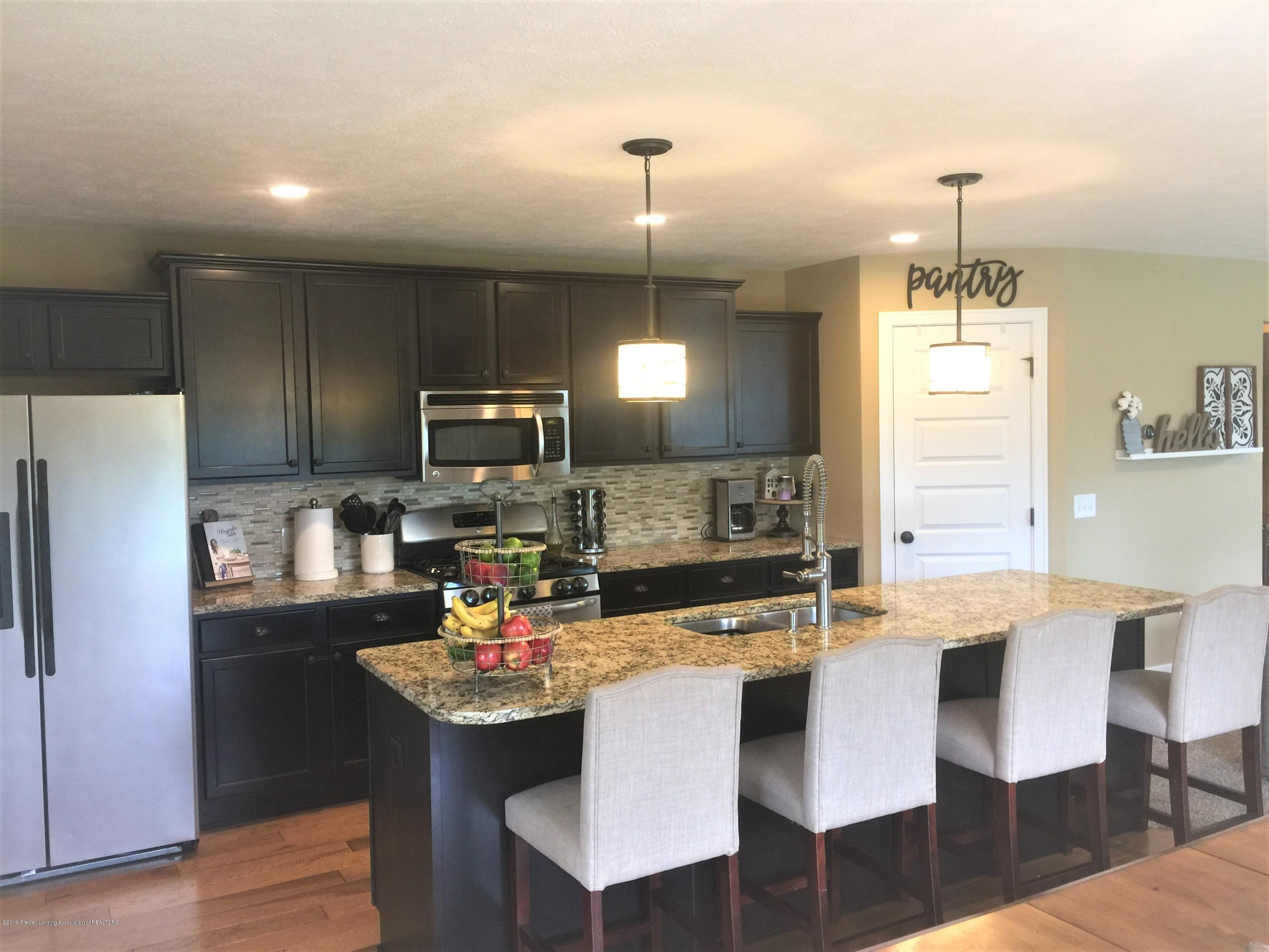 1531 Wellman Rd - Large Kitchen - 14