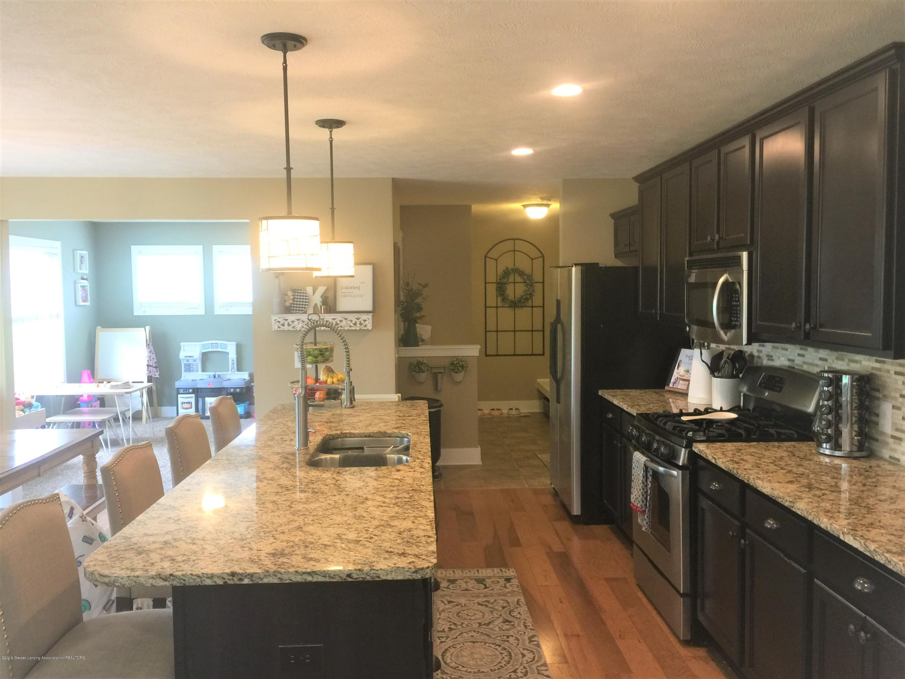 1531 Wellman Rd - Huge Kitchen - 17