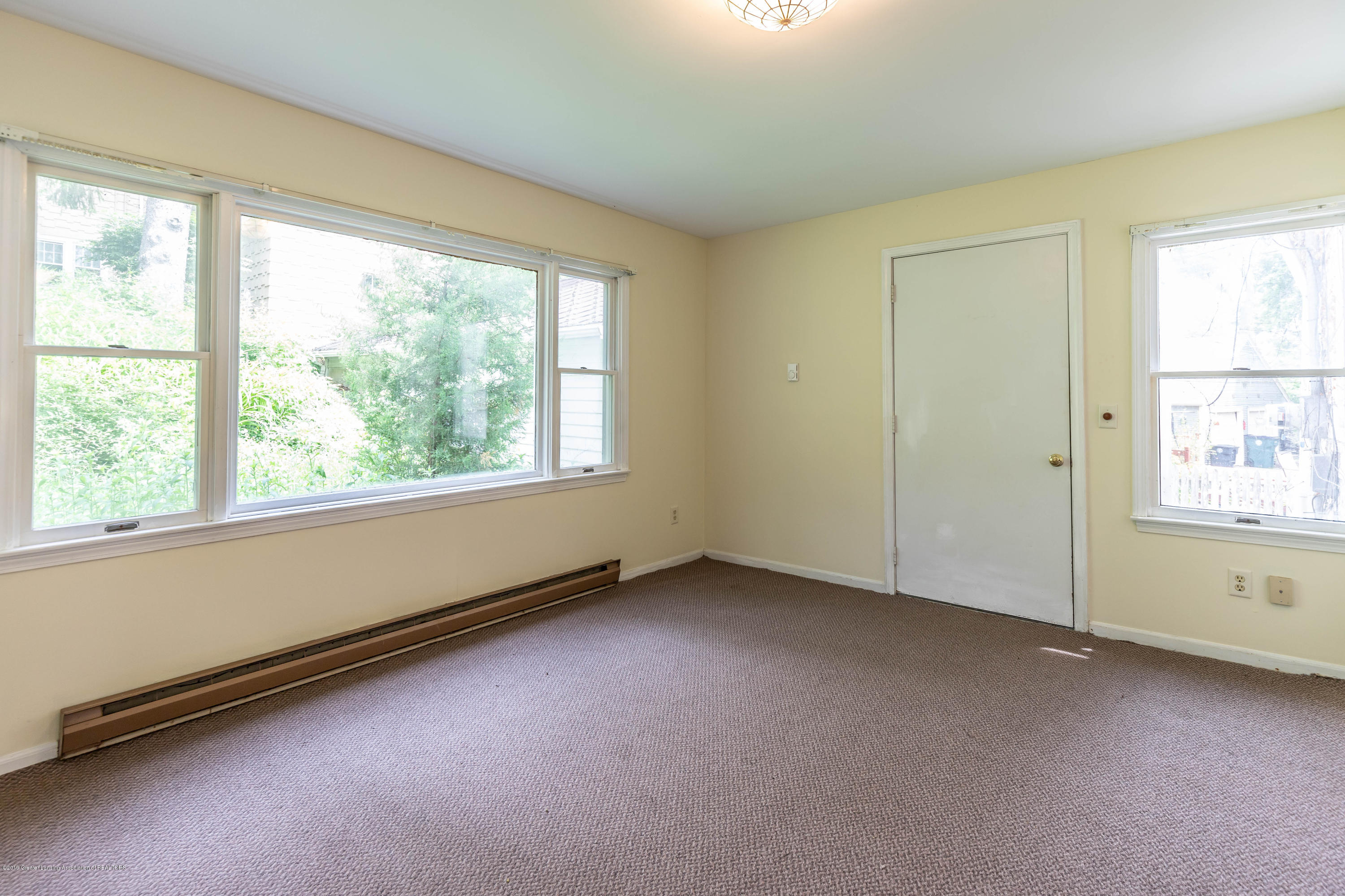 836 Huntington Rd - huntingtonroom (1 of 1) - 14