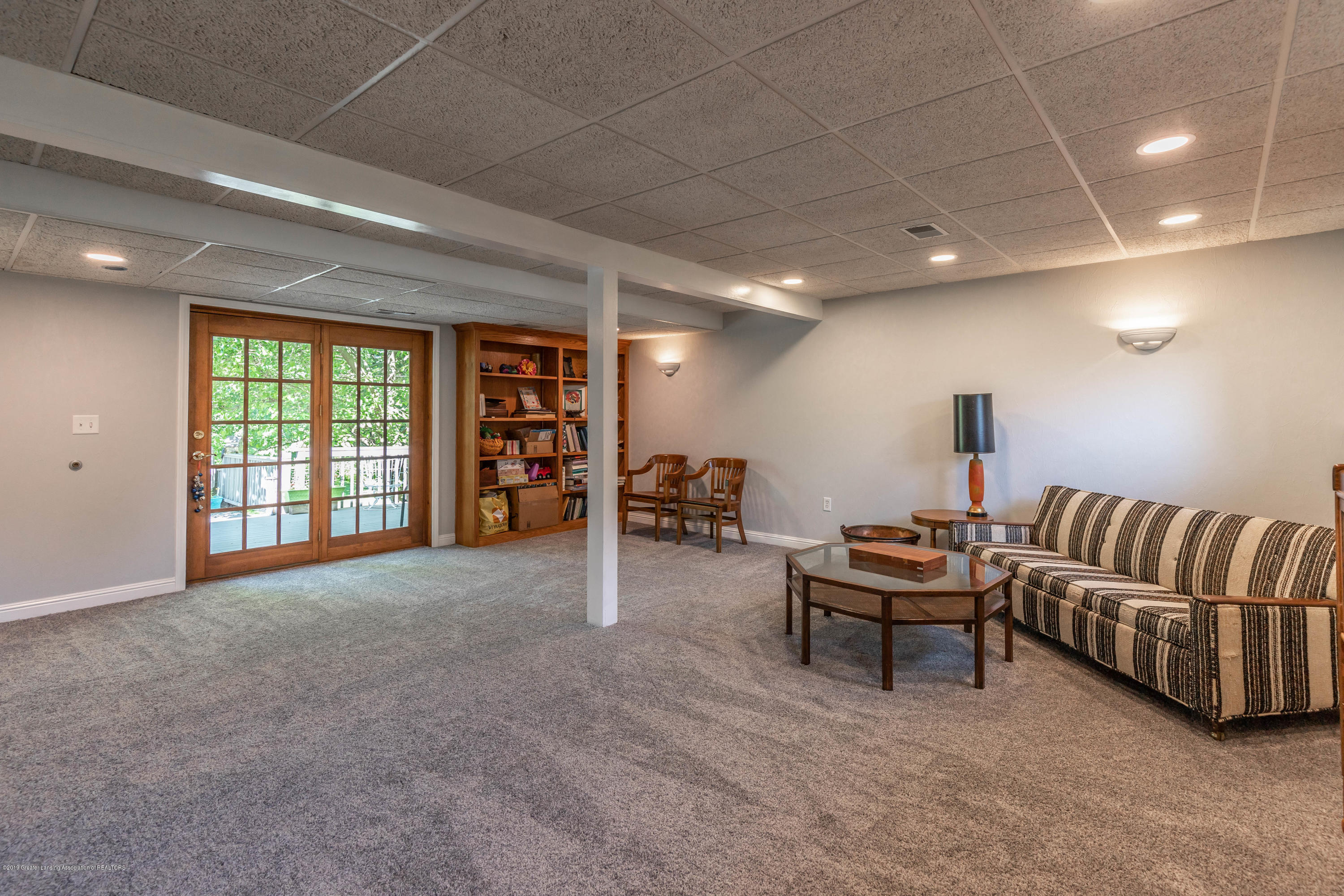 882 Shawano Dr - 21. Family Room - 26