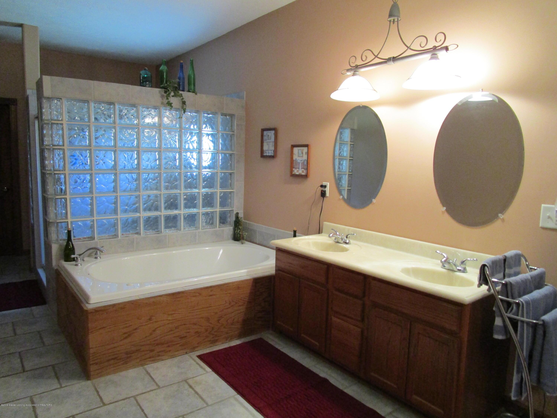 2663 Lacey Lake Rd - 12 Master Bath - 13
