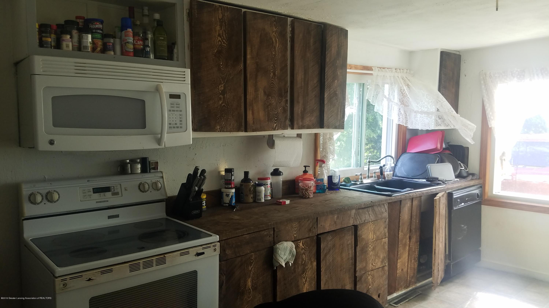 7915 W Vermontville Hwy - KITCHEN - 9