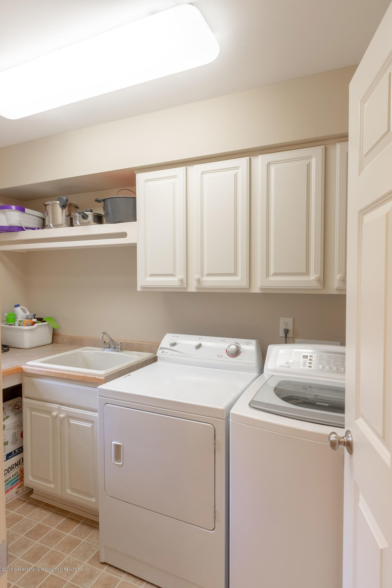 3585 W Arbutus Dr - First Floor Laundry Room - 22
